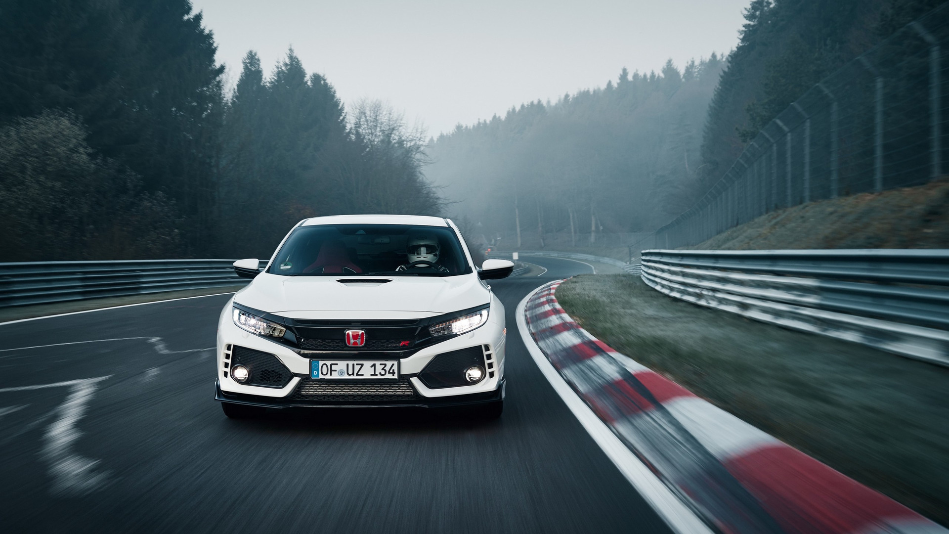 2017 HONDA CIVIC TYPE R SETS NEW FRONT-WHEEL DRIVE LAP RECORD AT NURBURGRING