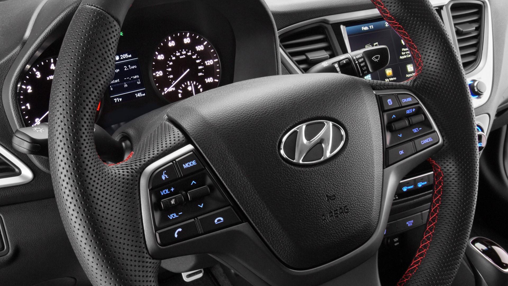 Hyundai Accent 2018 (11)
