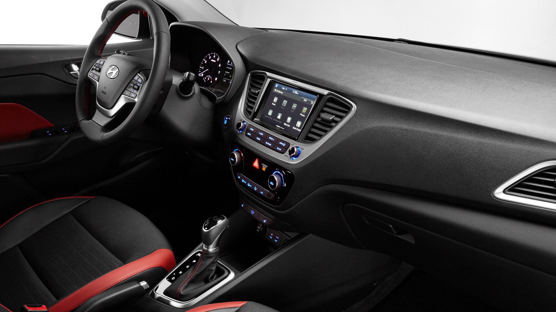 Hyundai Accent 2018 (9)