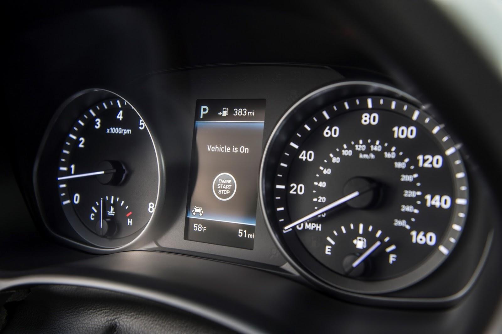 Hyundai Elantra GT 2018 (26)