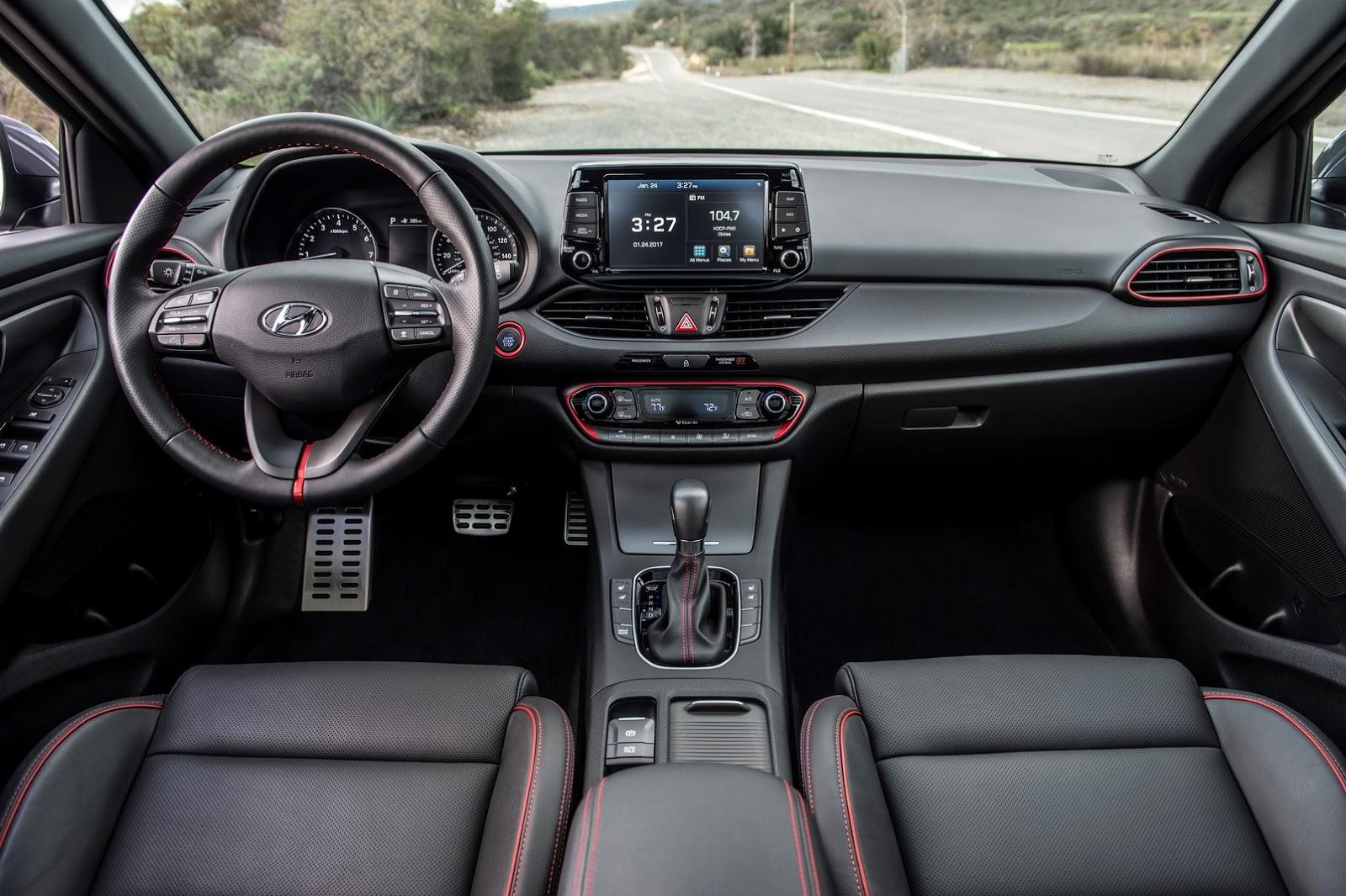 Hyundai Elantra GT 2018 (46)