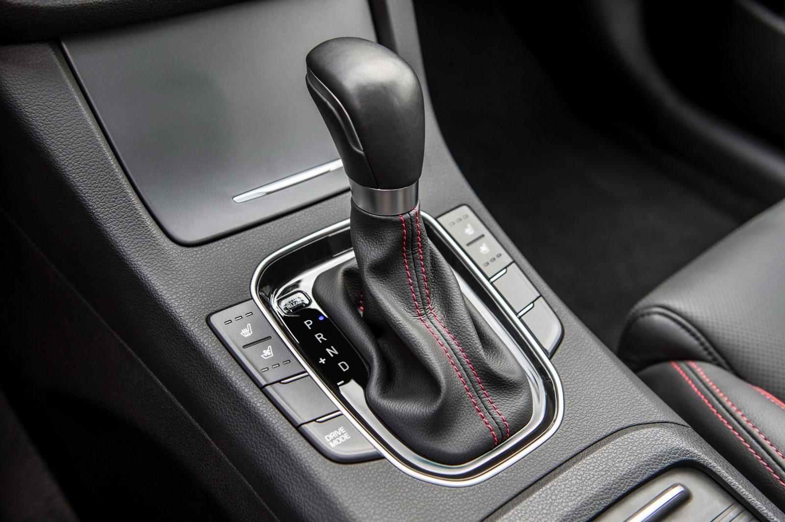 Hyundai Elantra GT 2018 (51)