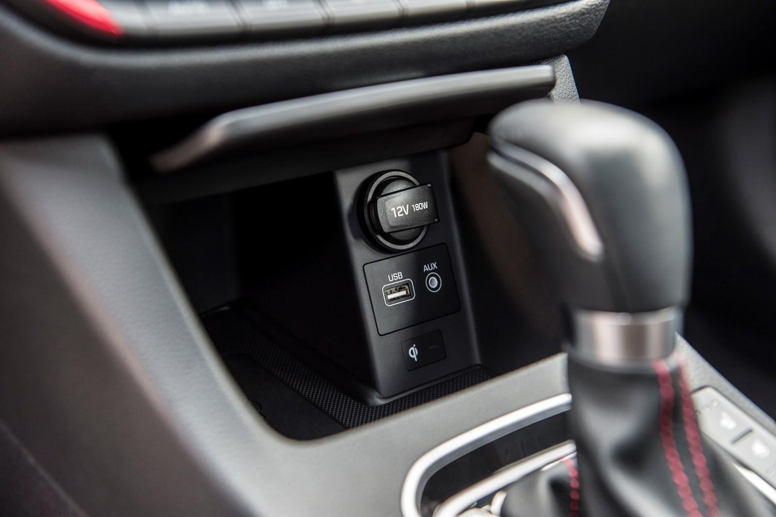Hyundai Elantra GT 2018 (52)