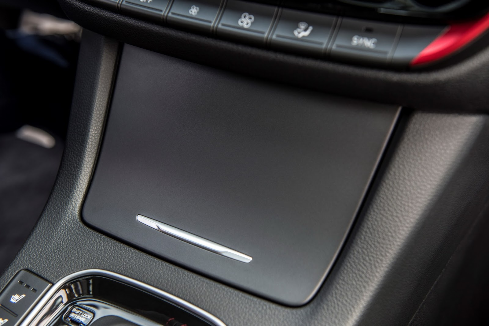 Hyundai Elantra GT 2018 (56)