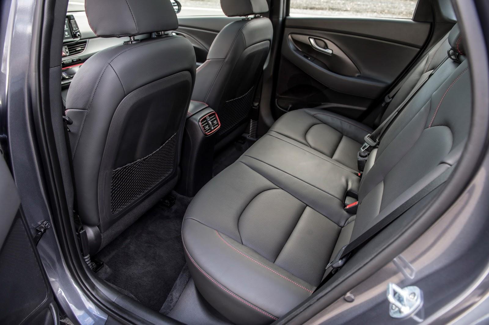 Hyundai Elantra GT 2018 (57)