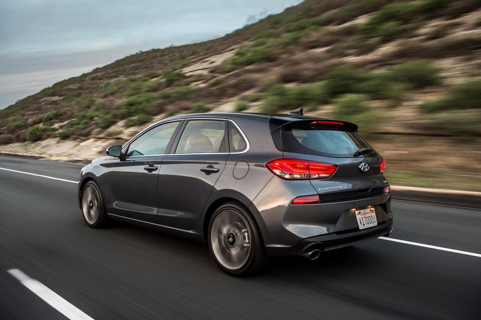 Hyundai Elantra GT 2018 (62)