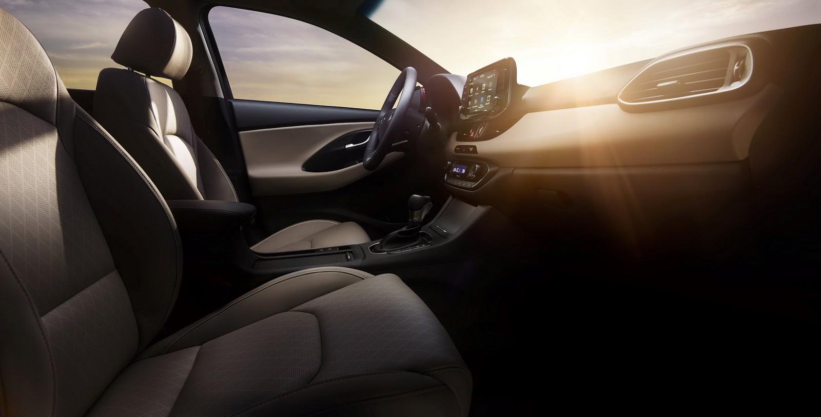 Hyundai Elantra GT 2018 (78)