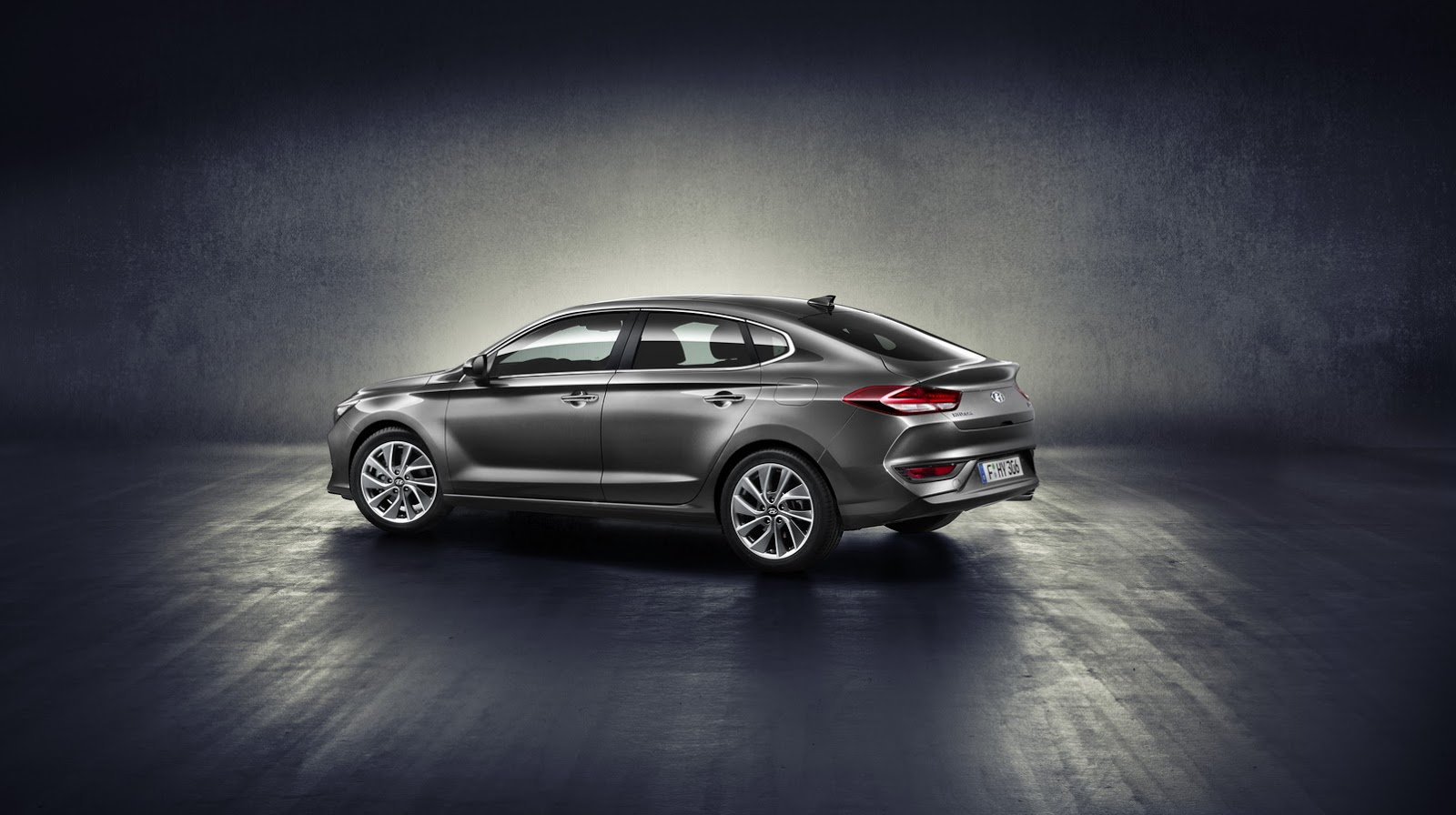 Hyundai i30 Fastback 2018 (2)
