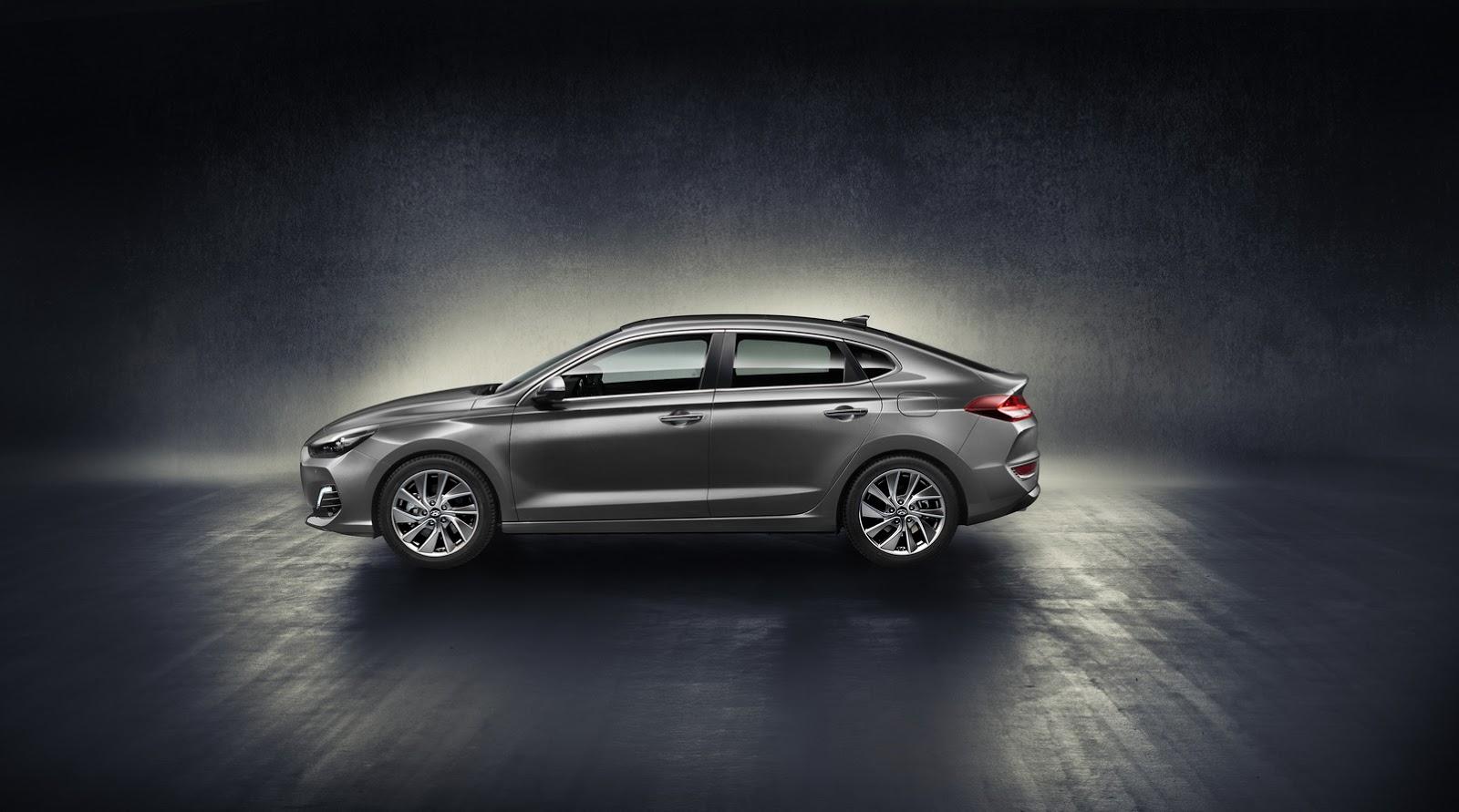 Hyundai i30 Fastback 2018 (4)