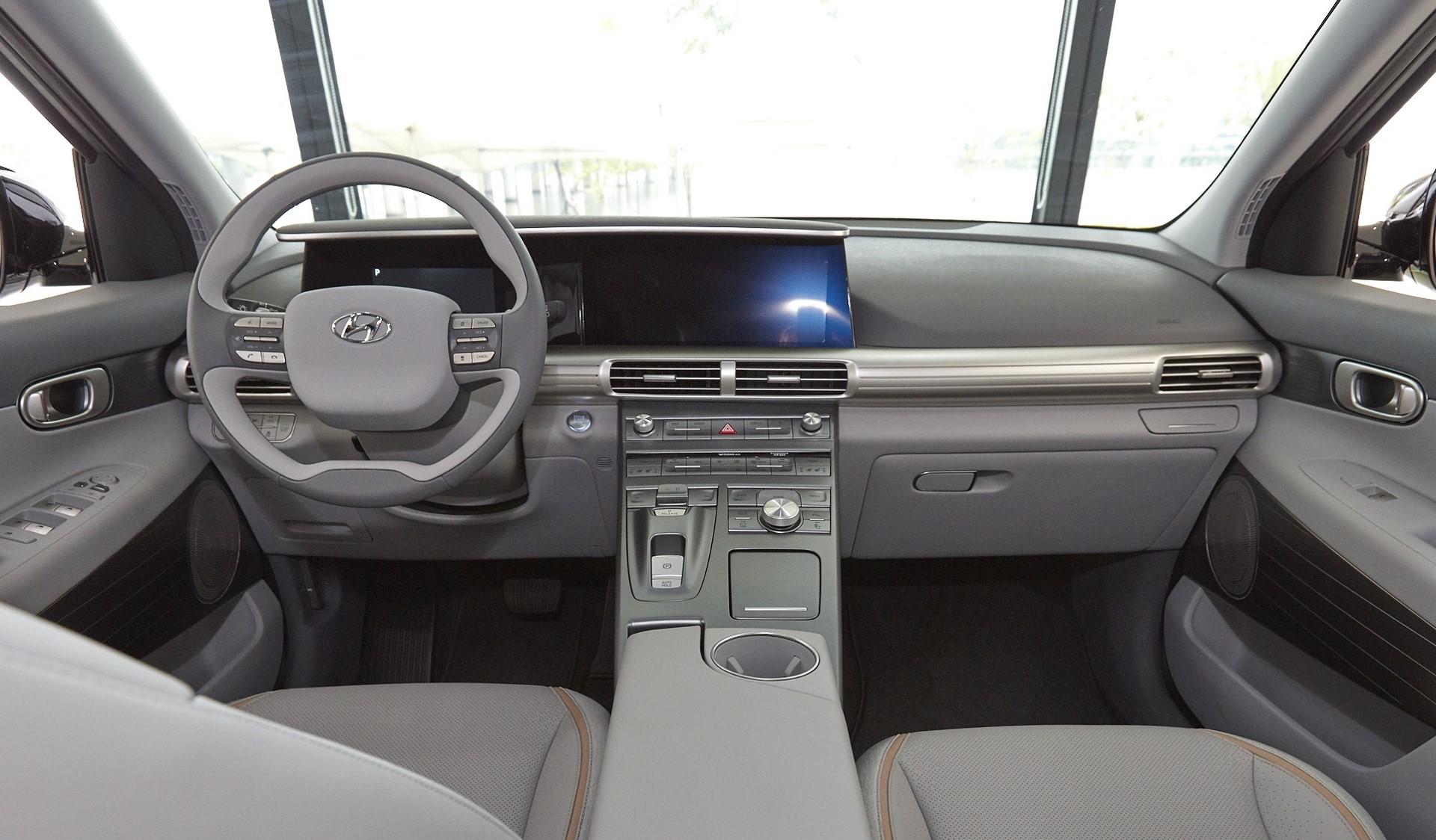 170817 Hyundai Motor's Next-Gen Fuel Cell SUV_7