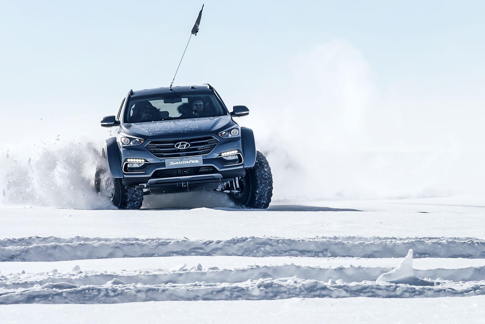 Hyundai Sante Fe Antarctic (10)