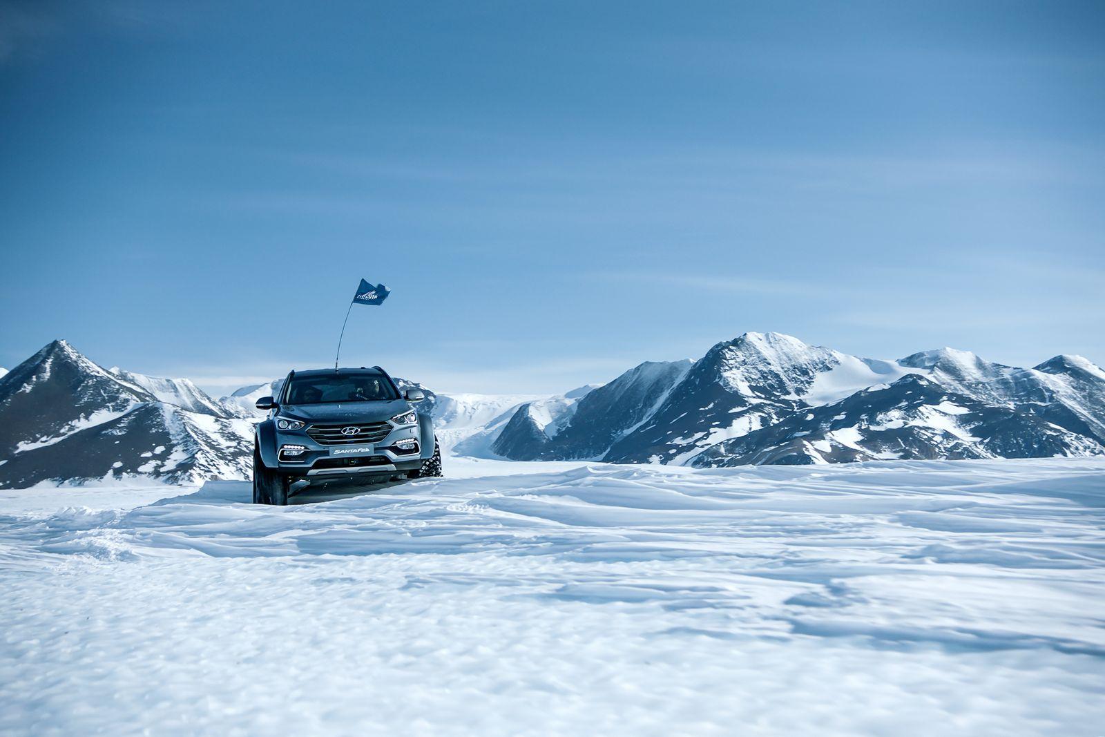 Hyundai Sante Fe Antarctic (11)