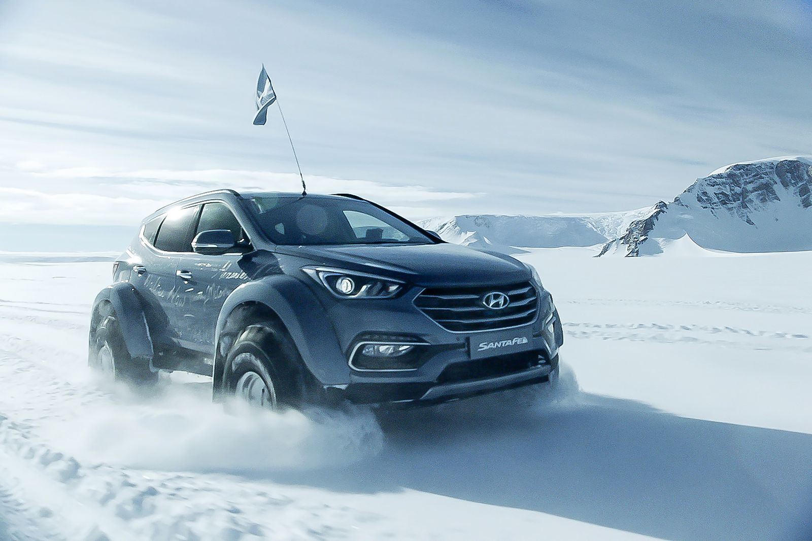 Hyundai Sante Fe Antarctic (5)