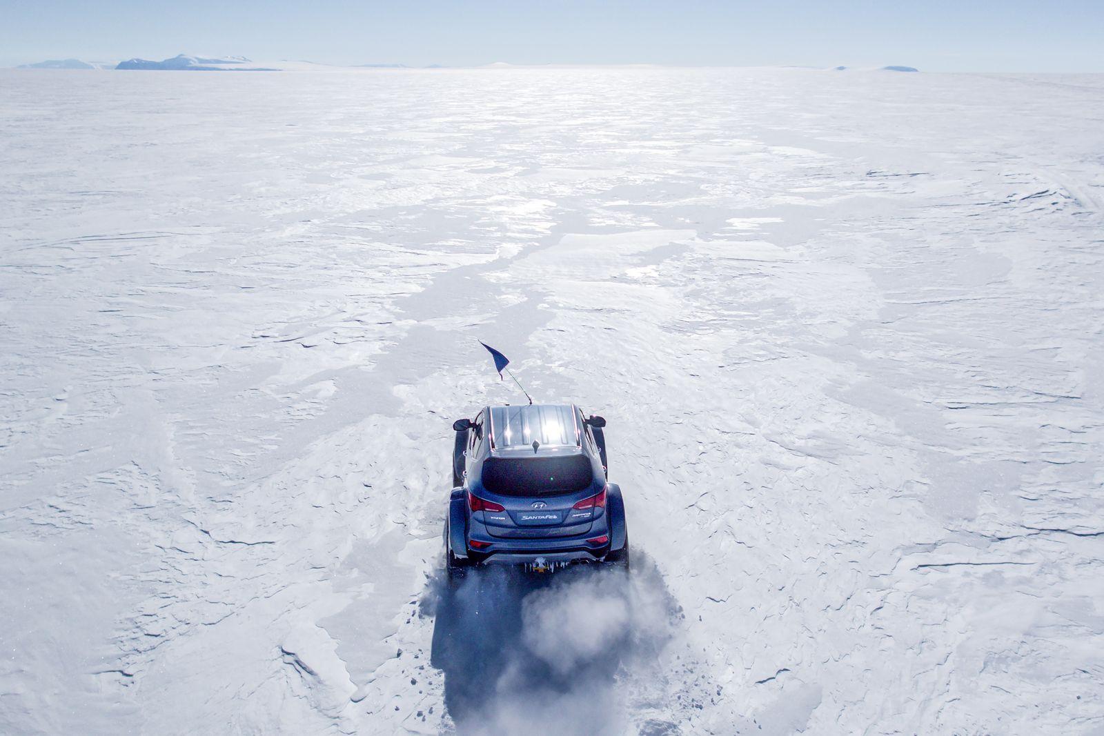 Hyundai Sante Fe Antarctic (6)