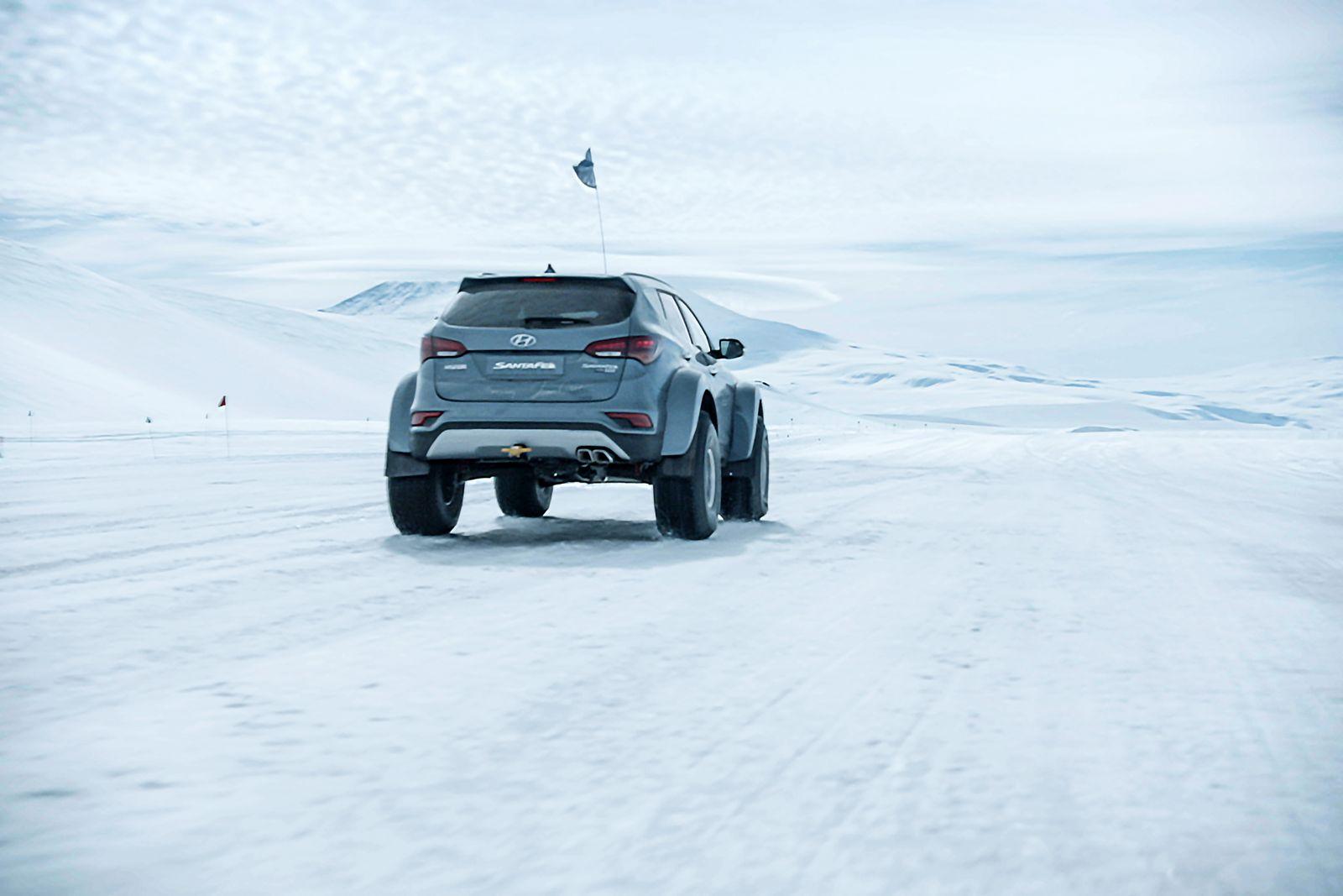 Hyundai Sante Fe Antarctic (7)