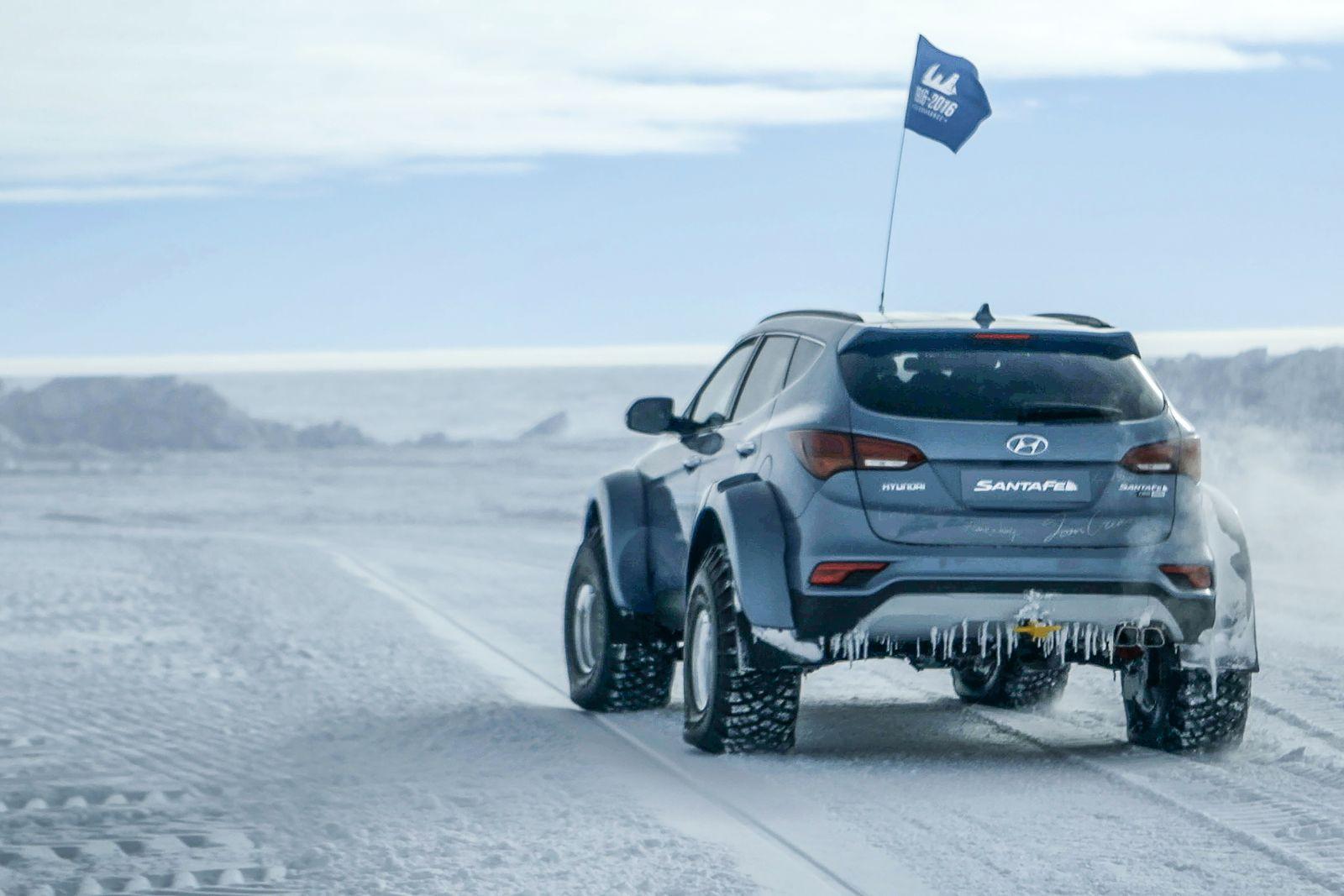 Hyundai Sante Fe Antarctic (8)