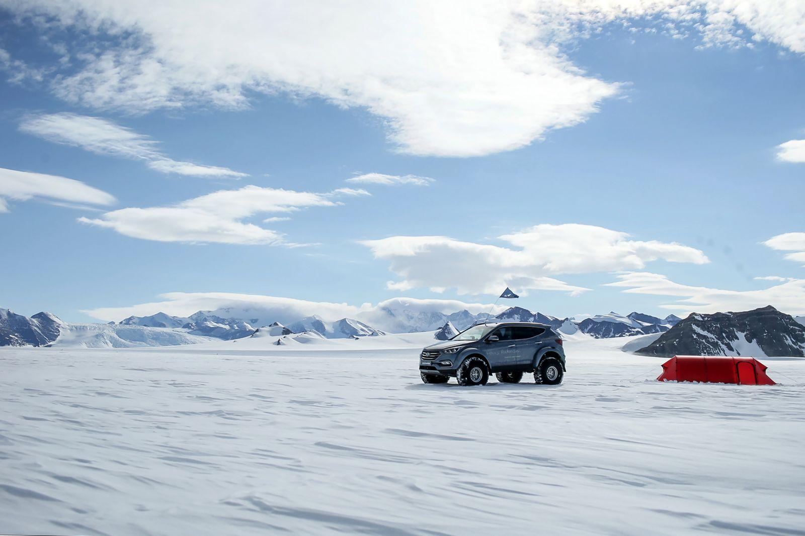Hyundai Sante Fe Antarctic (9)
