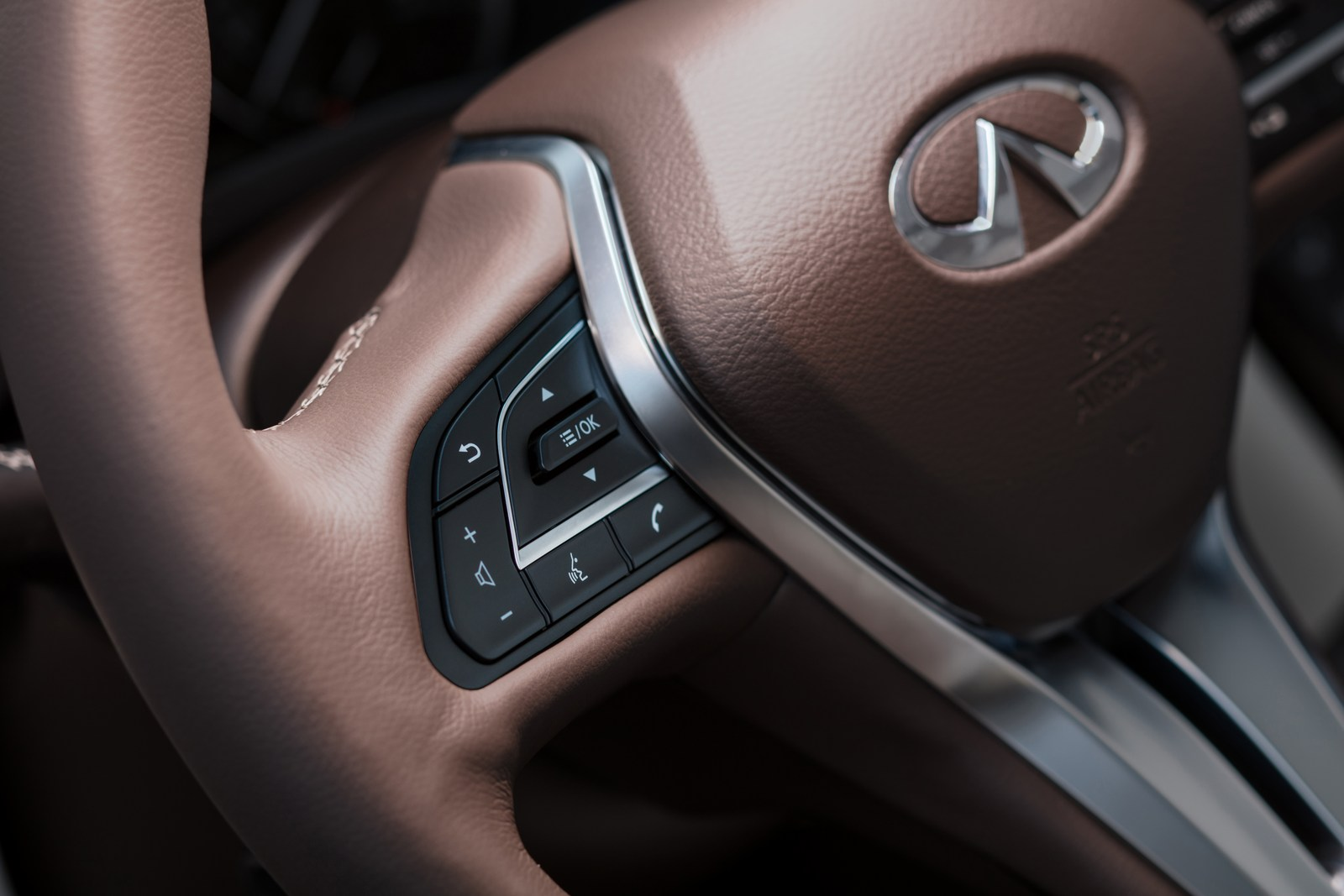 The all-new QX50 is a premium mid-size SUV with world-first technologies, stand-out design and class-leading interior space Ð on an entirely new platform.