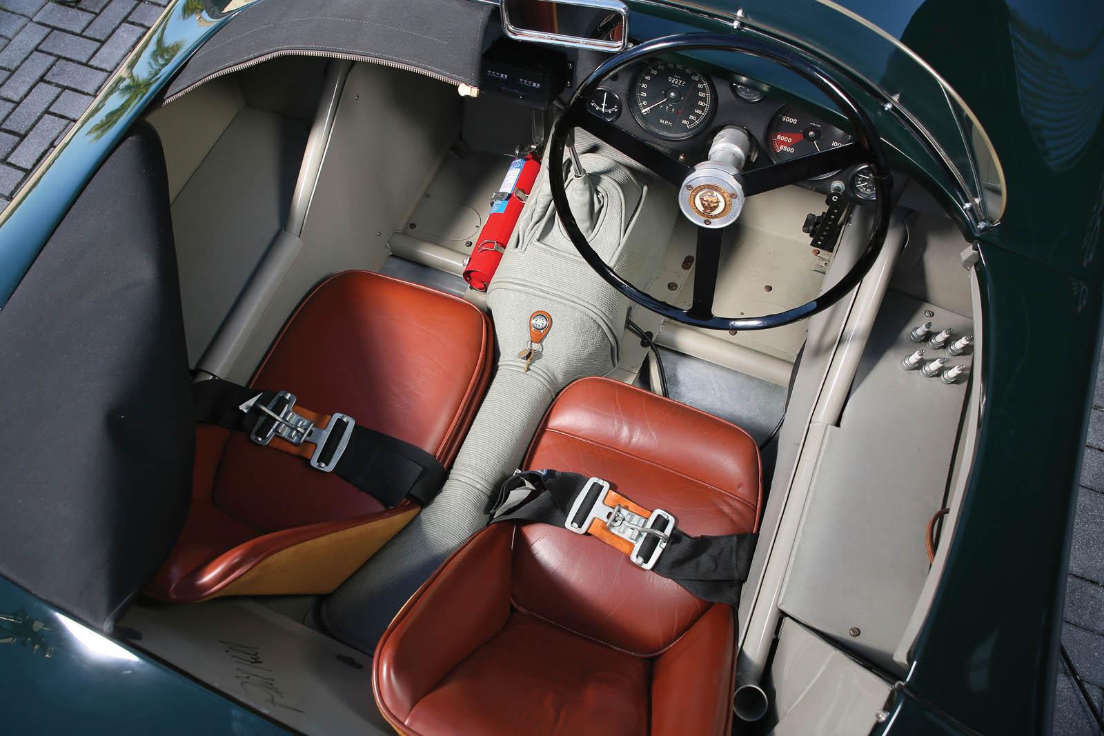 Jaguar_C-Type_for_sale_01