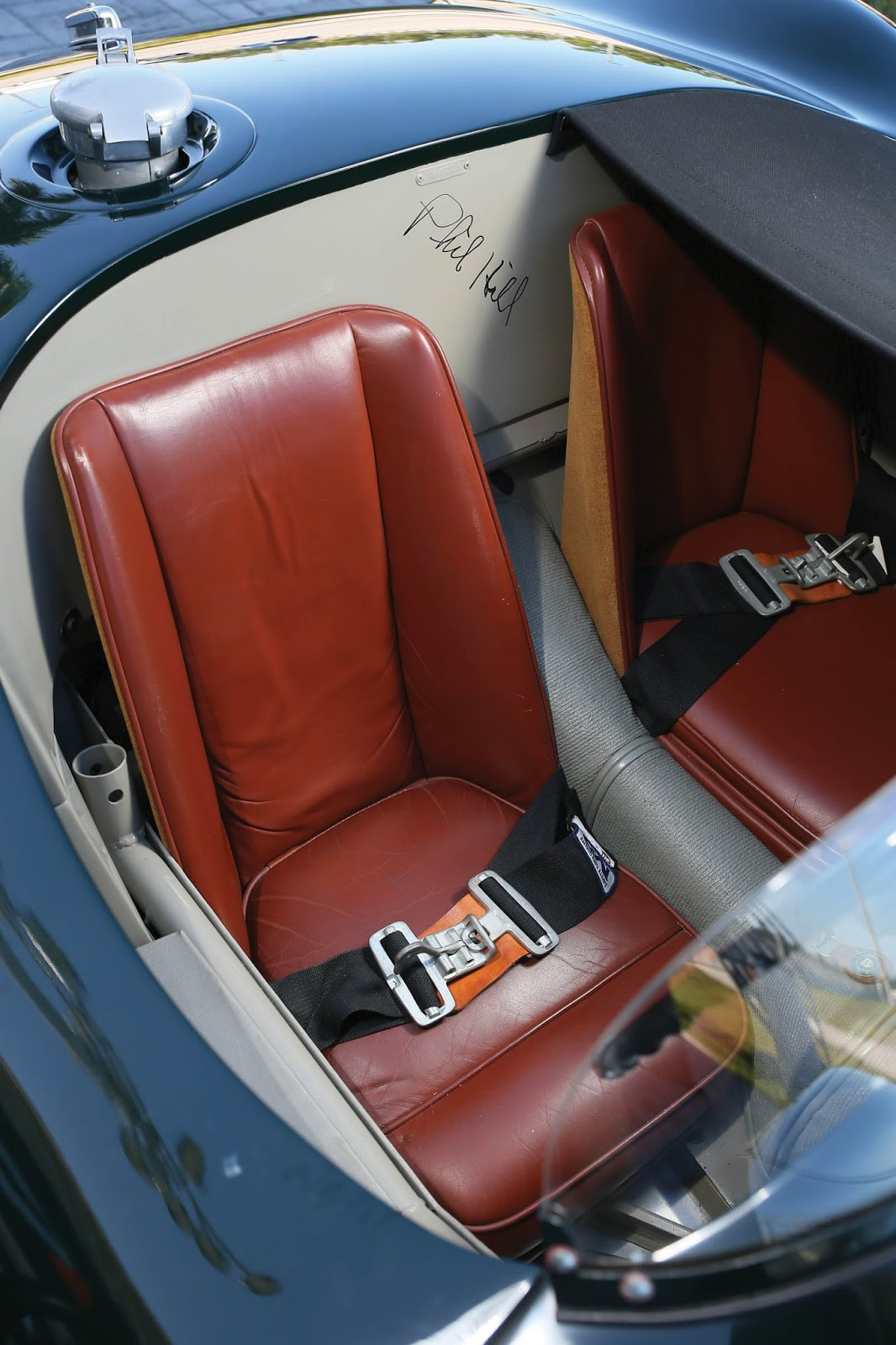 Jaguar_C-Type_for_sale_04