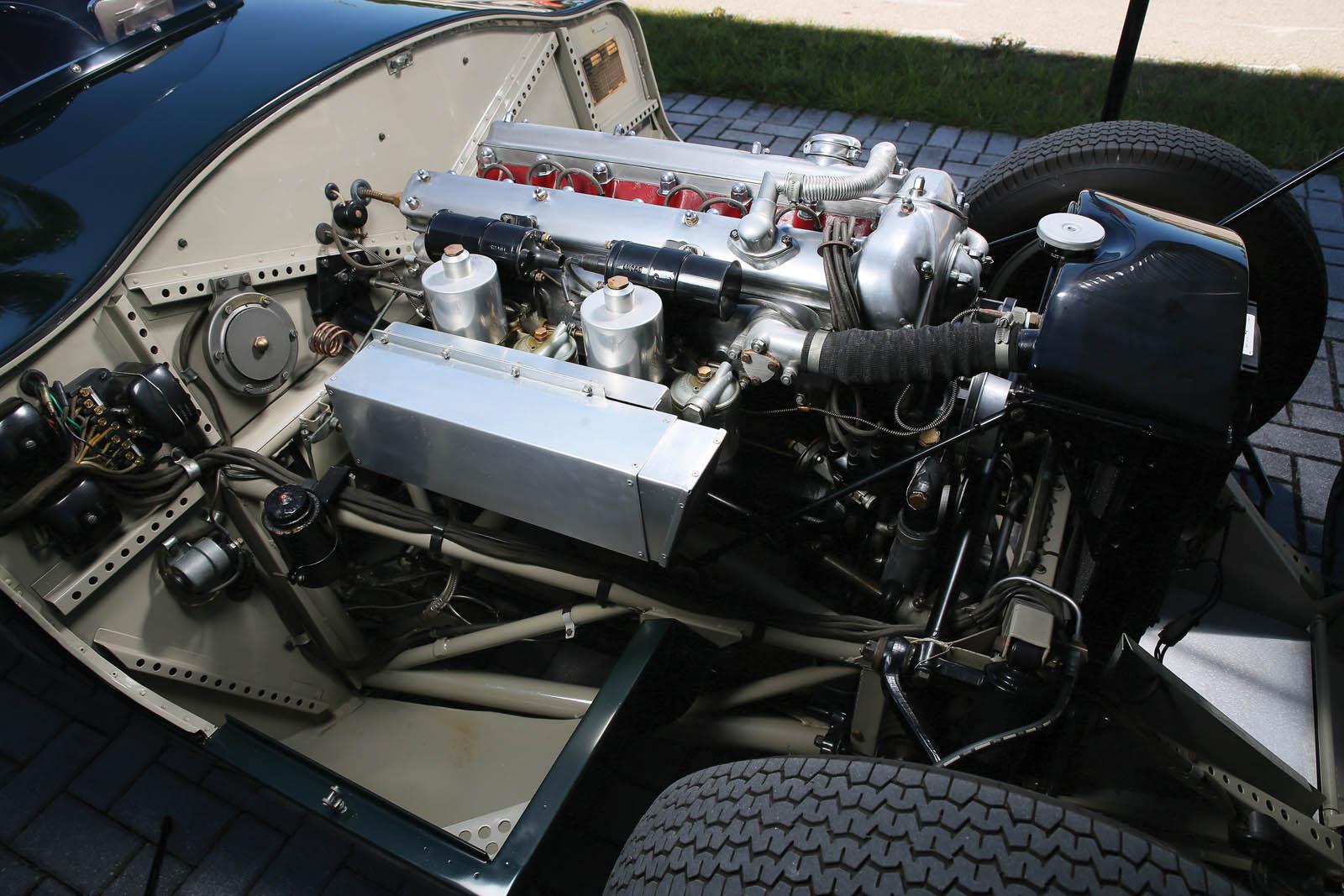 Jaguar_C-Type_for_sale_08