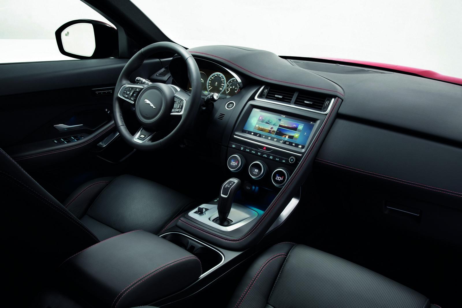 Jaguar-E-Pace -41