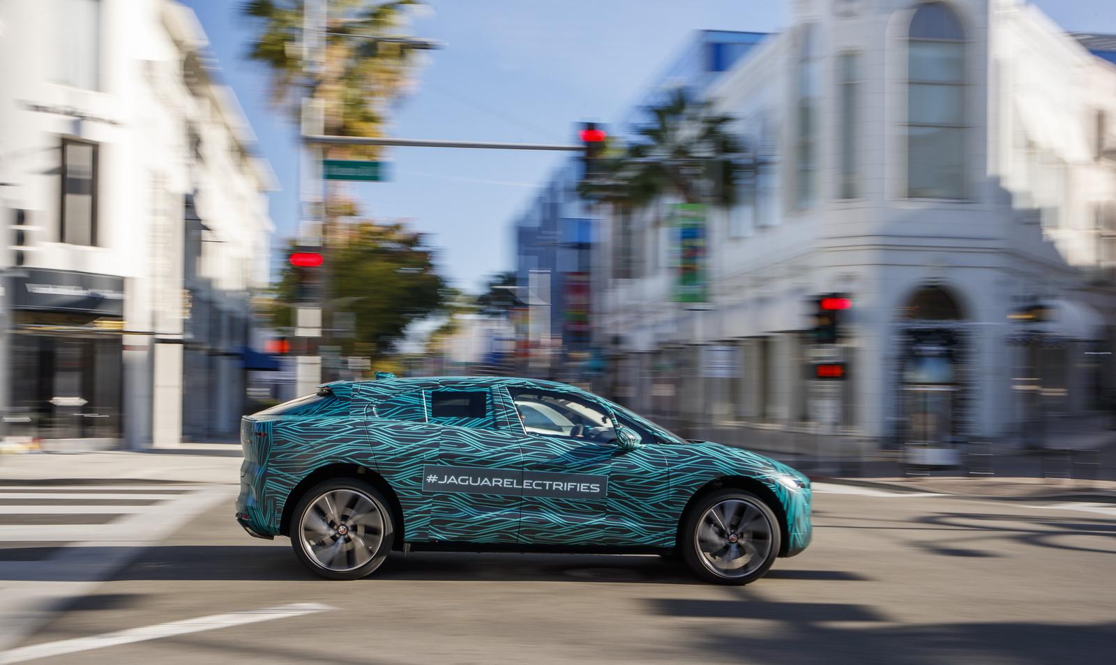 Jaguar I-Pace (12)
