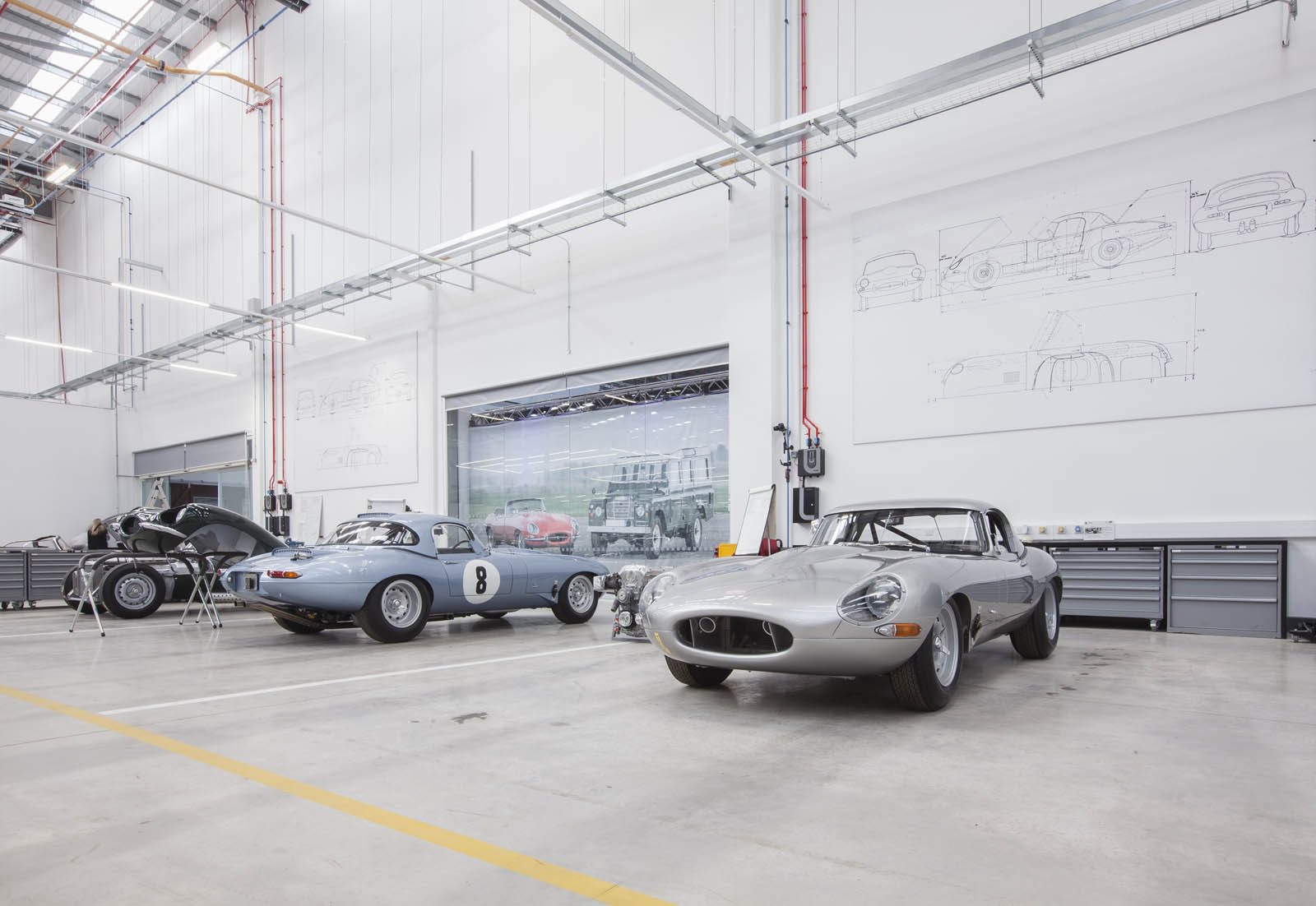 Jaguar_Land_Rover_Classic_Car_Center_06