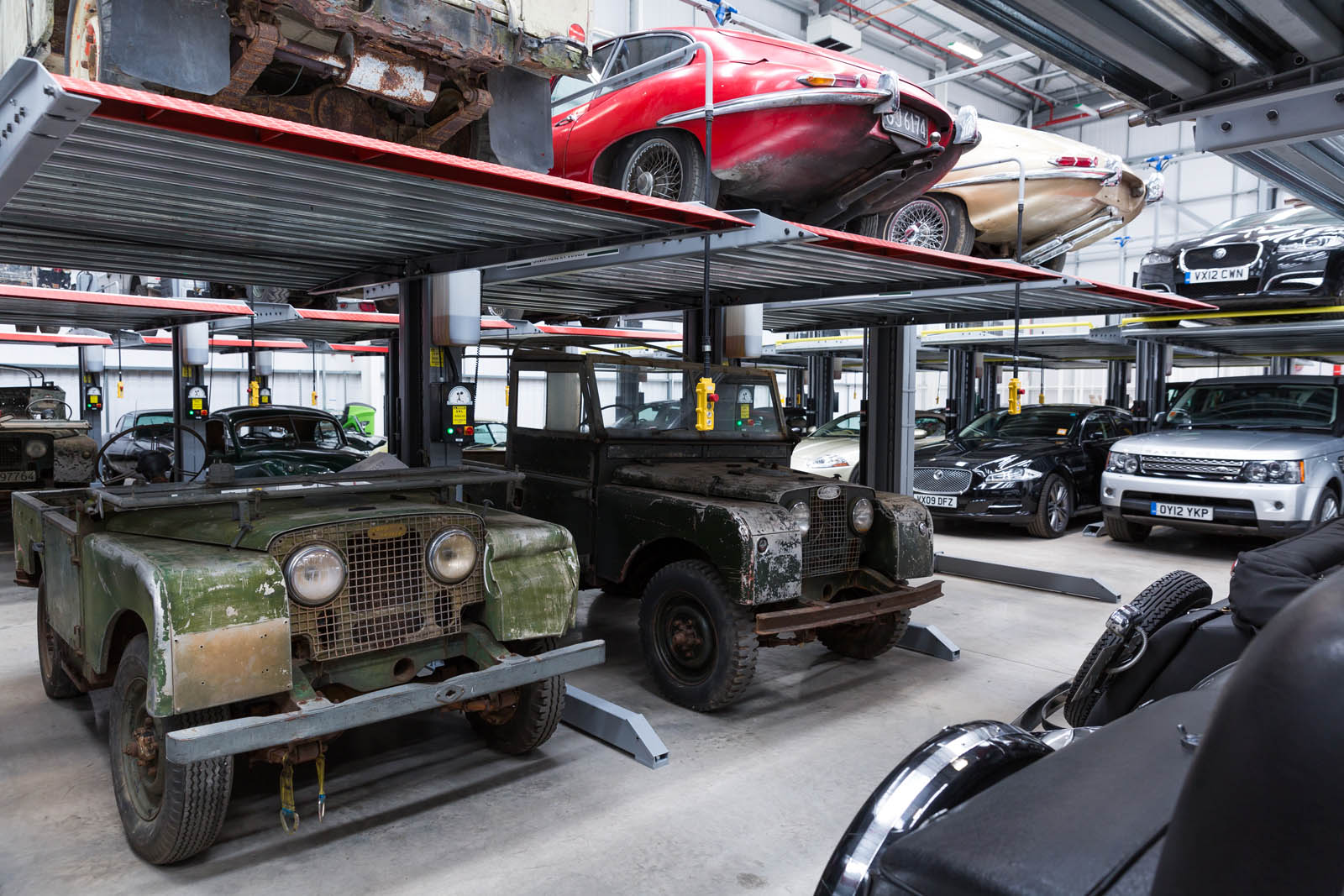Jaguar_Land_Rover_Classic_Car_Center_26