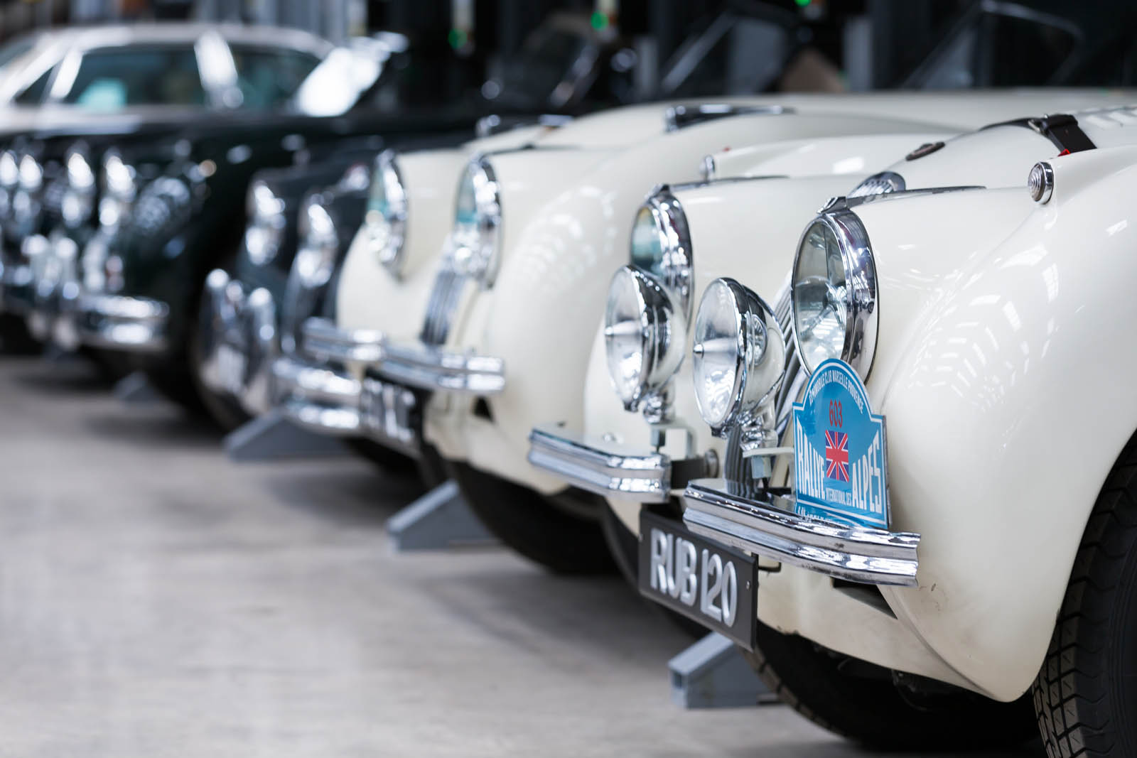 Jaguar_Land_Rover_Classic_Car_Center_29