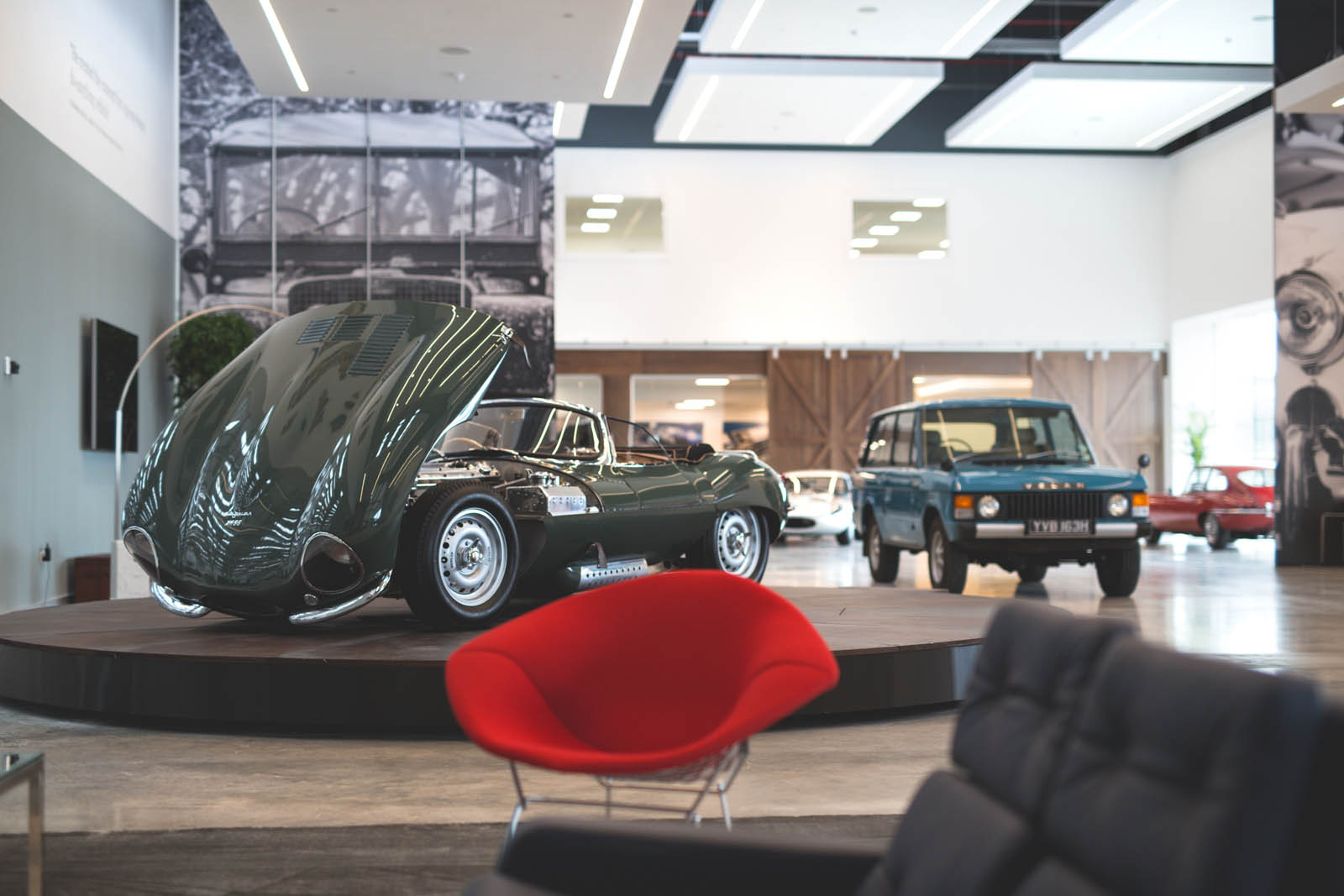 Jaguar_Land_Rover_Classic_Car_Center_39