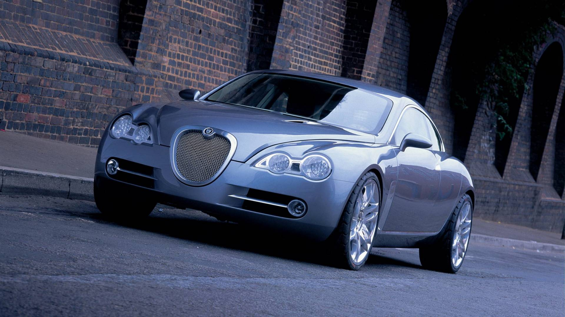 2003-jaguar-r-d6-concept3