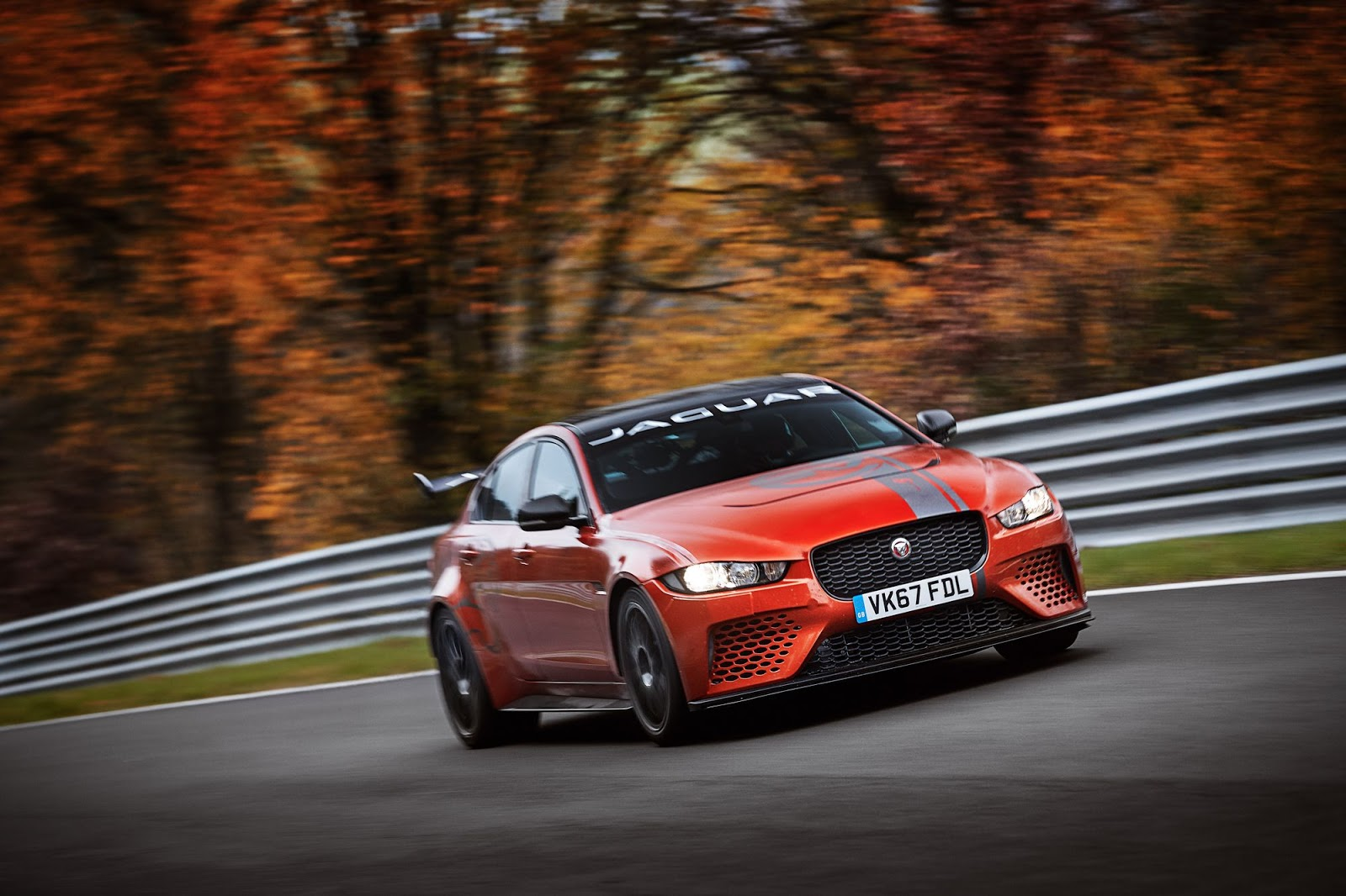 Jaguar XE SV Project 8 Nurburgring record (1)