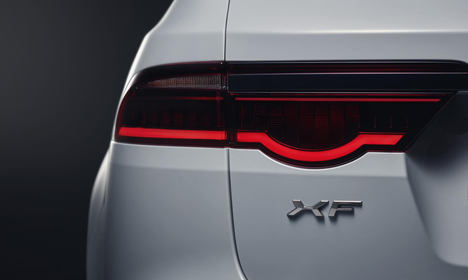 2018-jaguar-xf-sportbrake-34