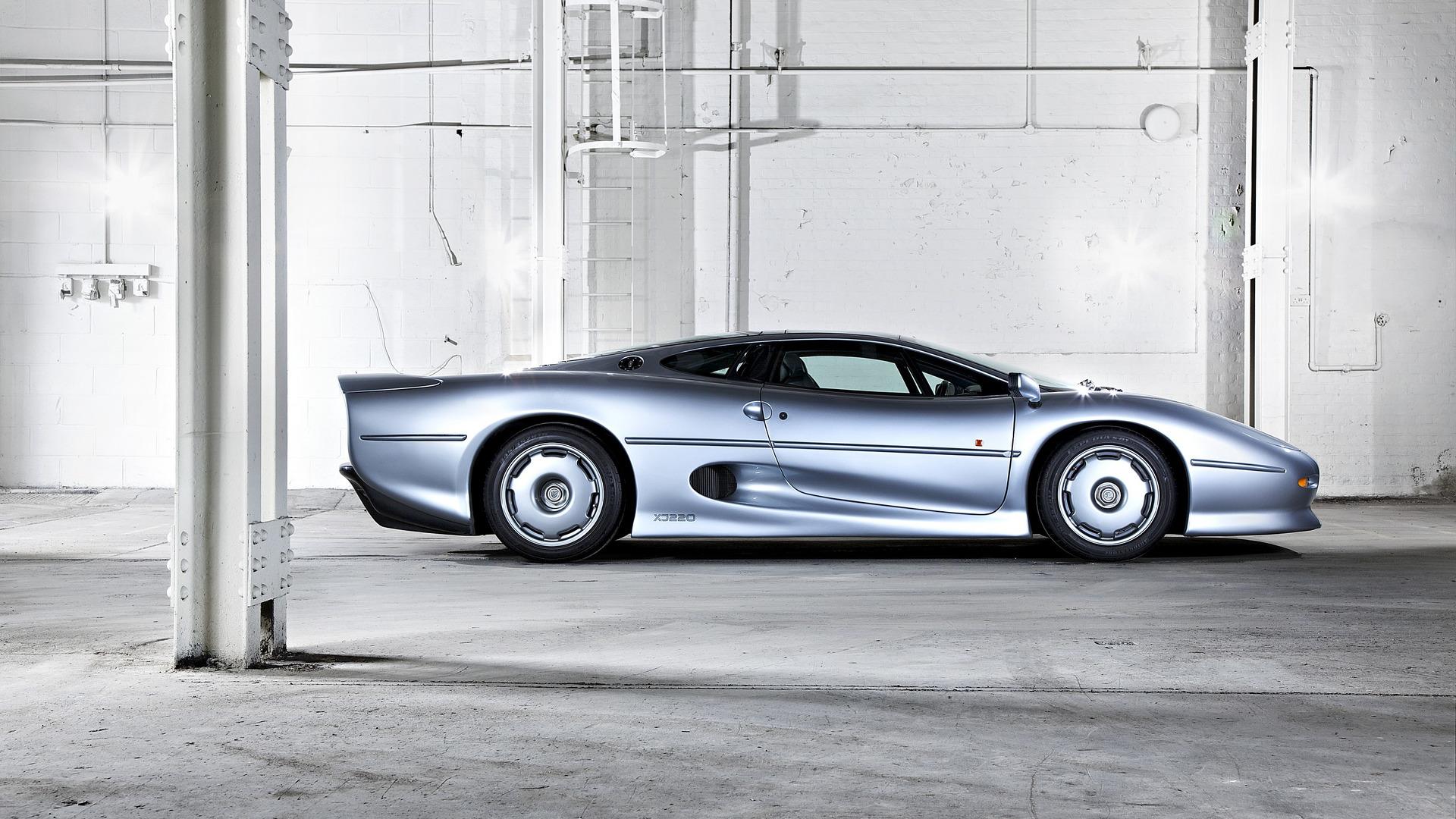 jaguar-xj220 (2)