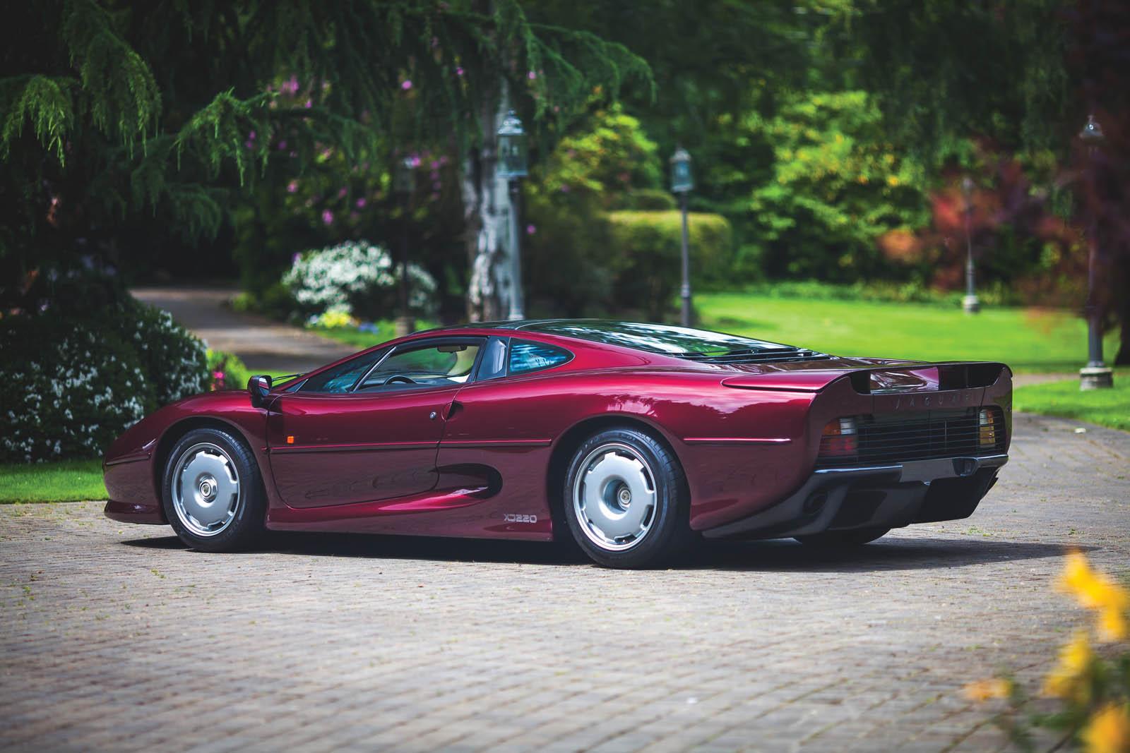 1993_Jaguar_XJ220_02