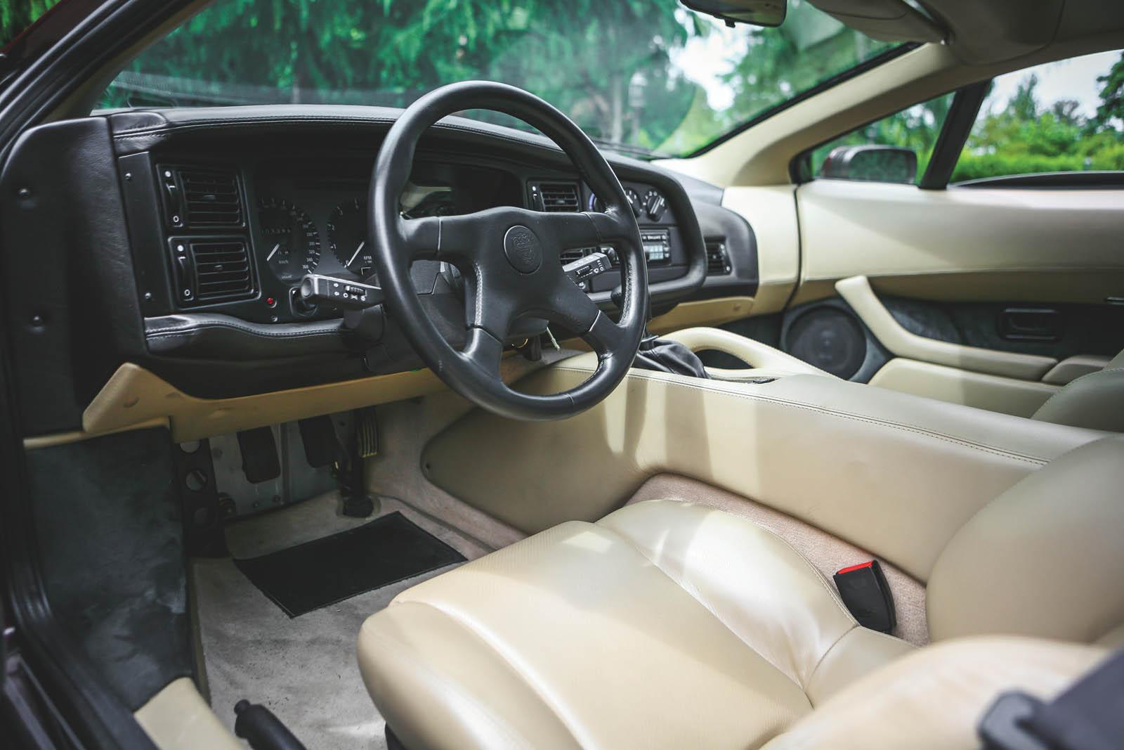 1993_Jaguar_XJ220_04