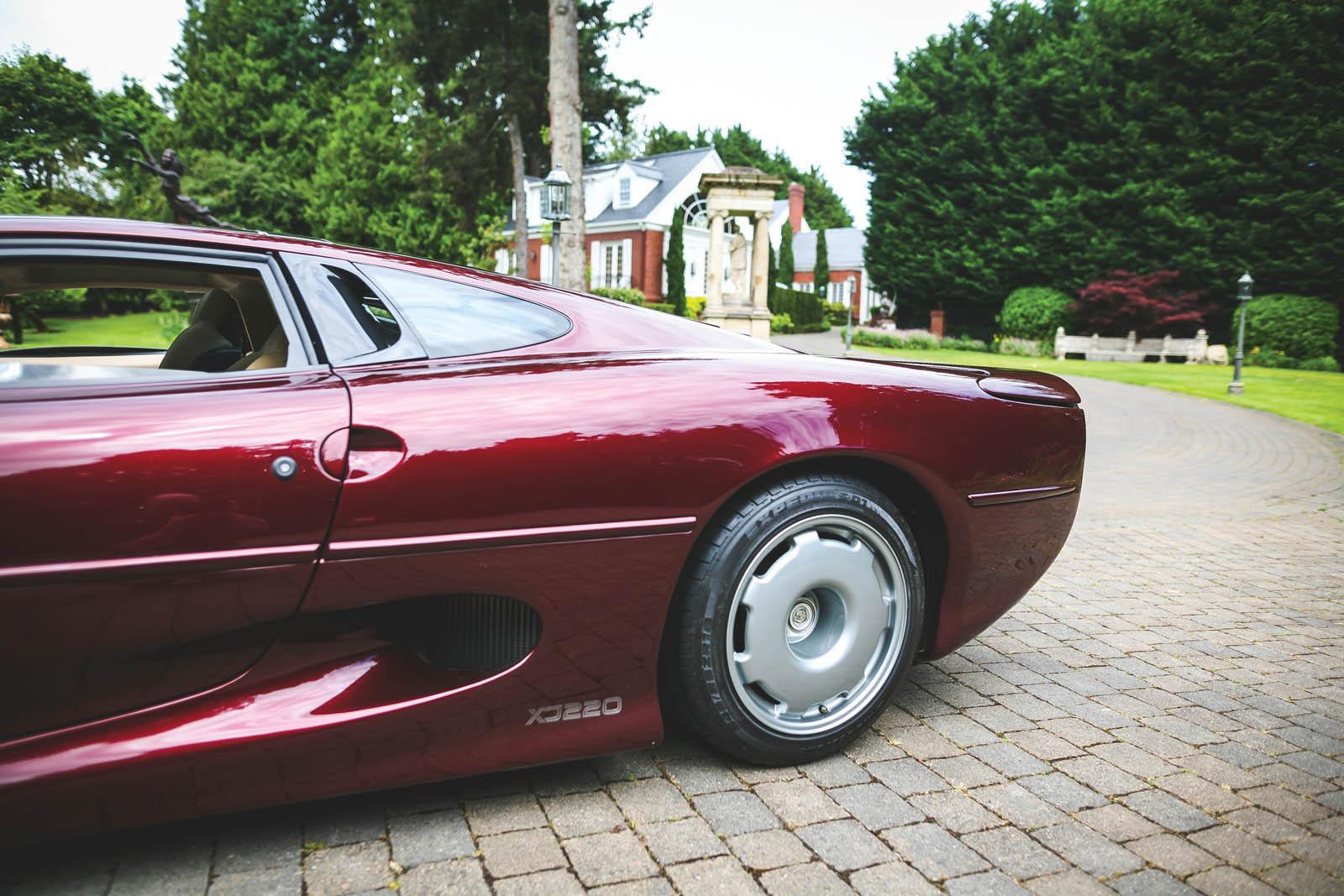 1993_Jaguar_XJ220_09