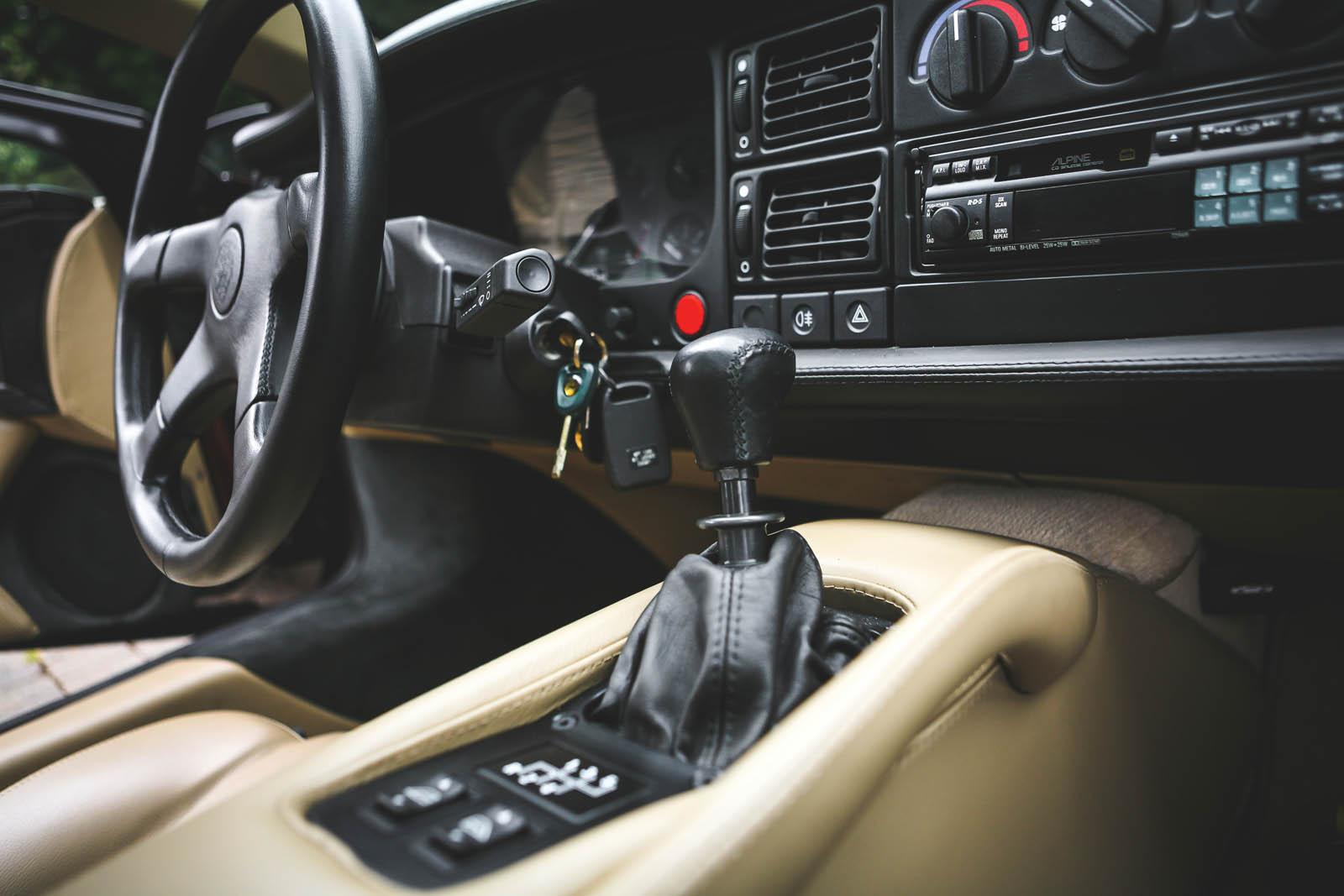 1993_Jaguar_XJ220_25