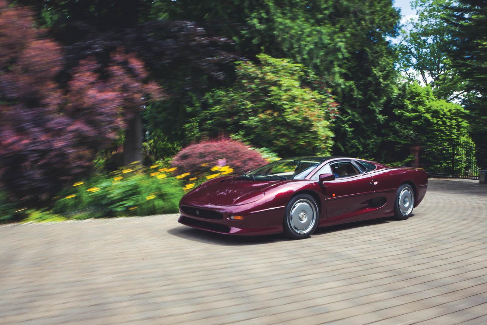 1993_Jaguar_XJ220_36