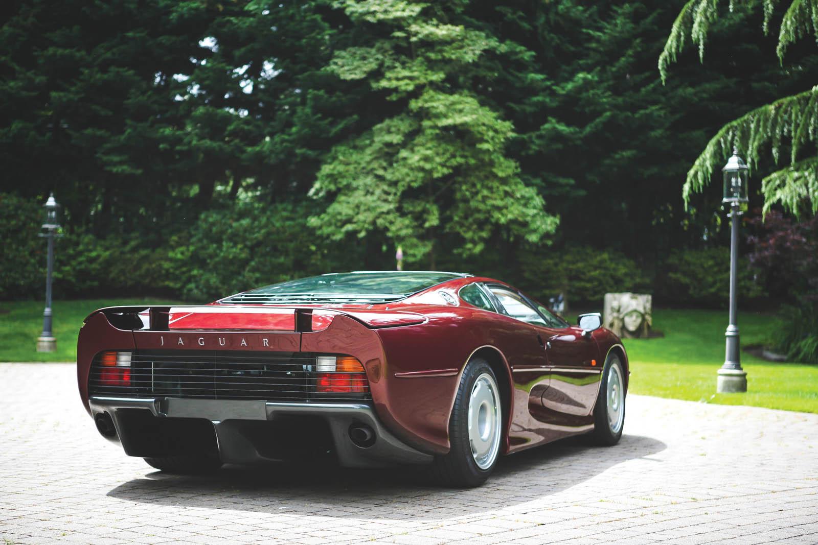 1993_Jaguar_XJ220_39
