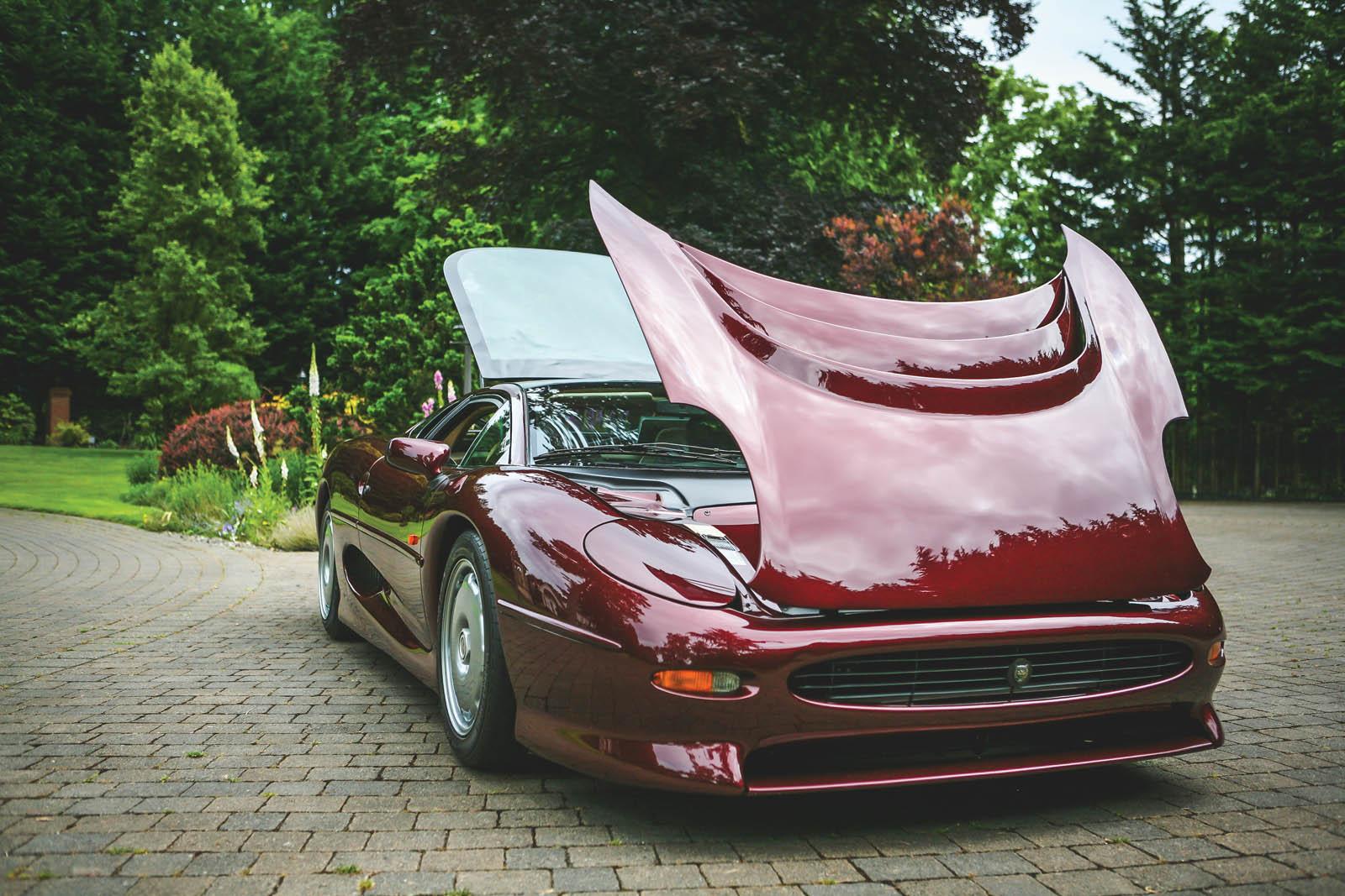 1993_Jaguar_XJ220_40