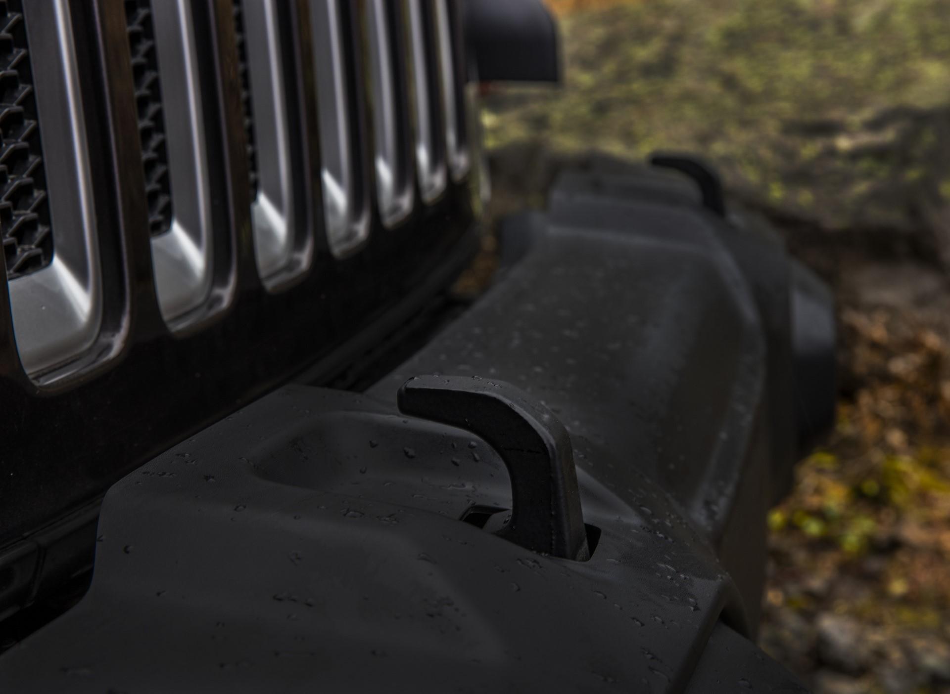 2018 Jeep Wrangler 110 (2)