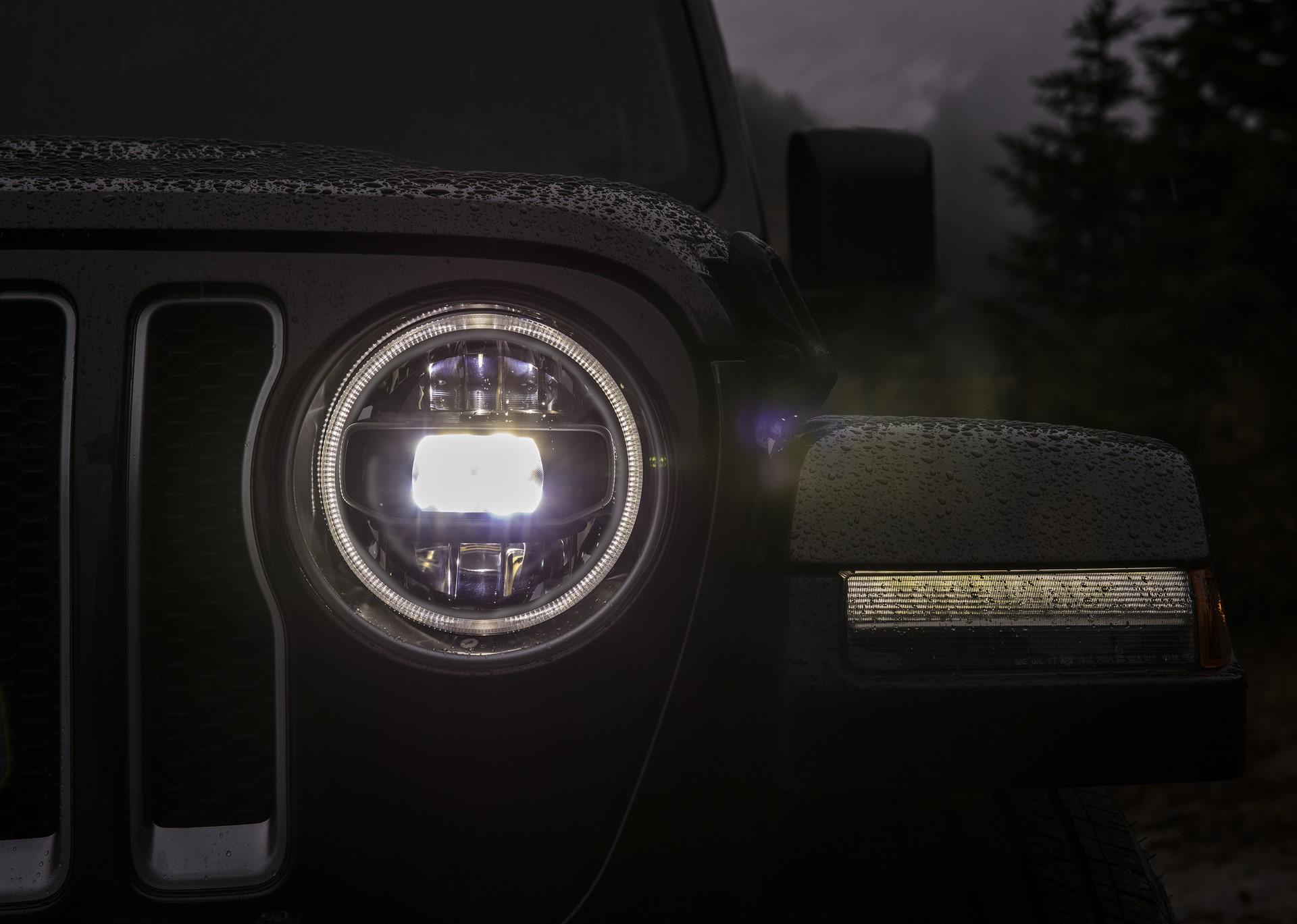 2018 Jeep Wrangler 110 (4)