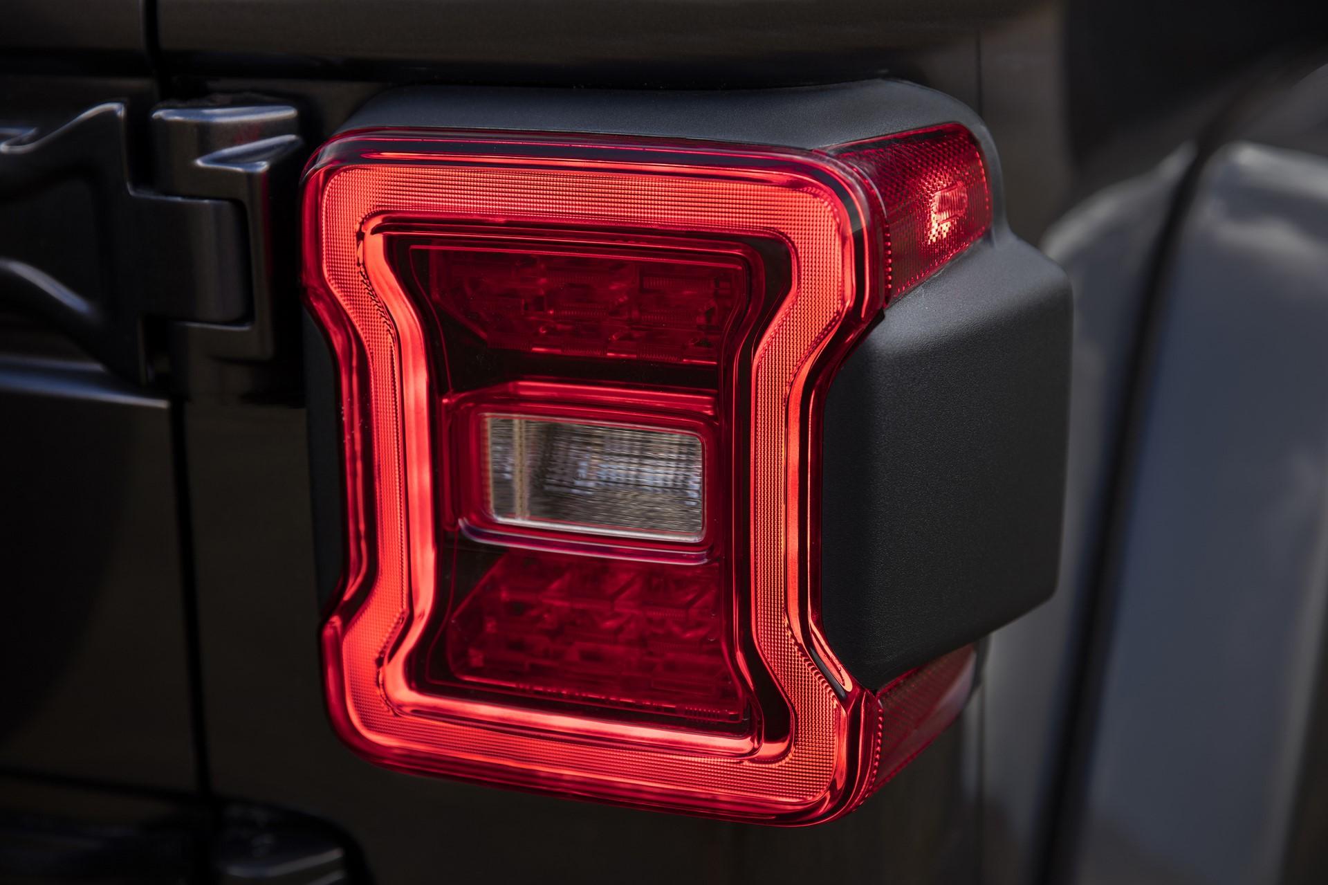2018 Jeep Wrangler 110 (7)