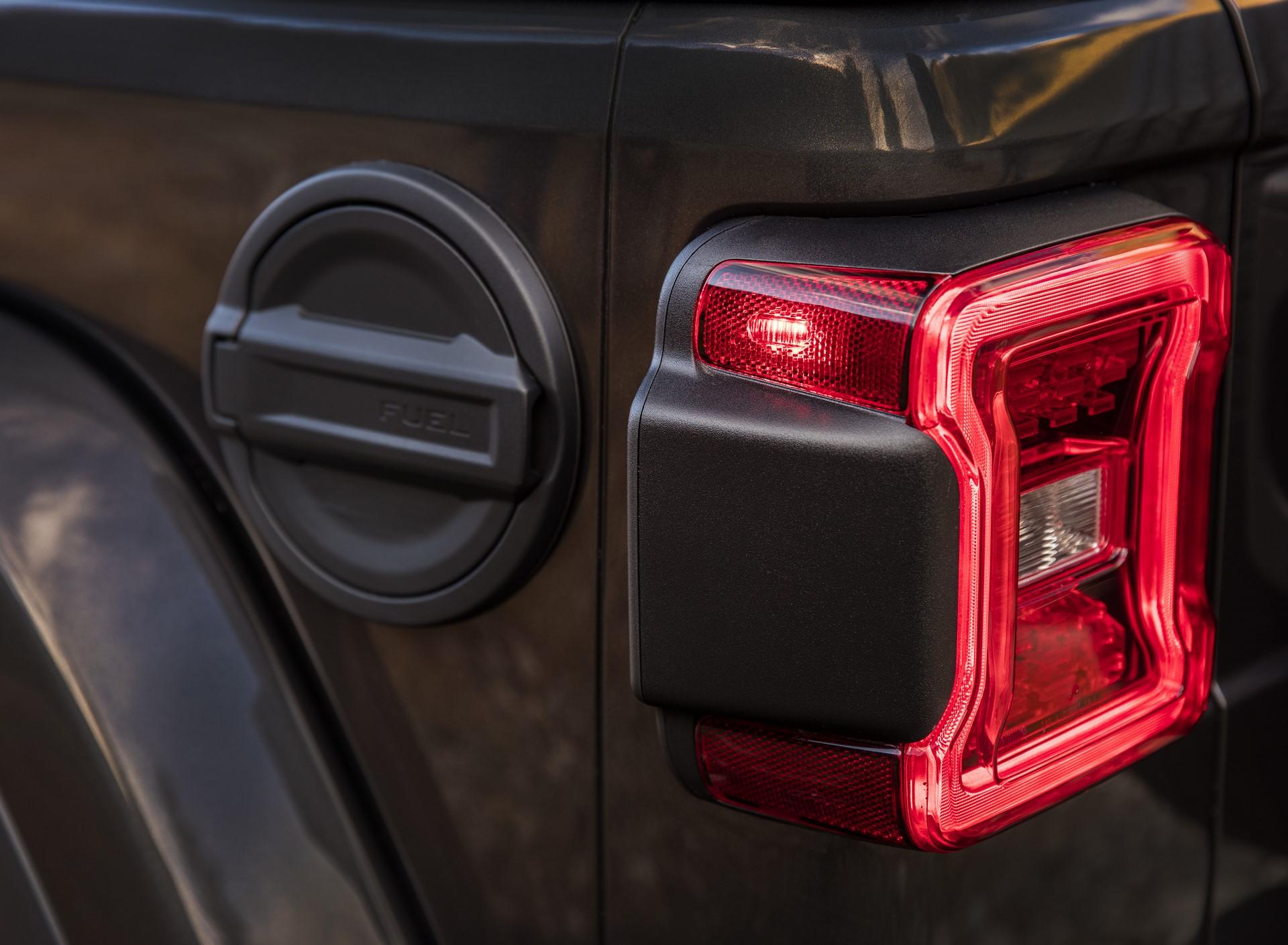 2018 Jeep Wrangler 110 (9)