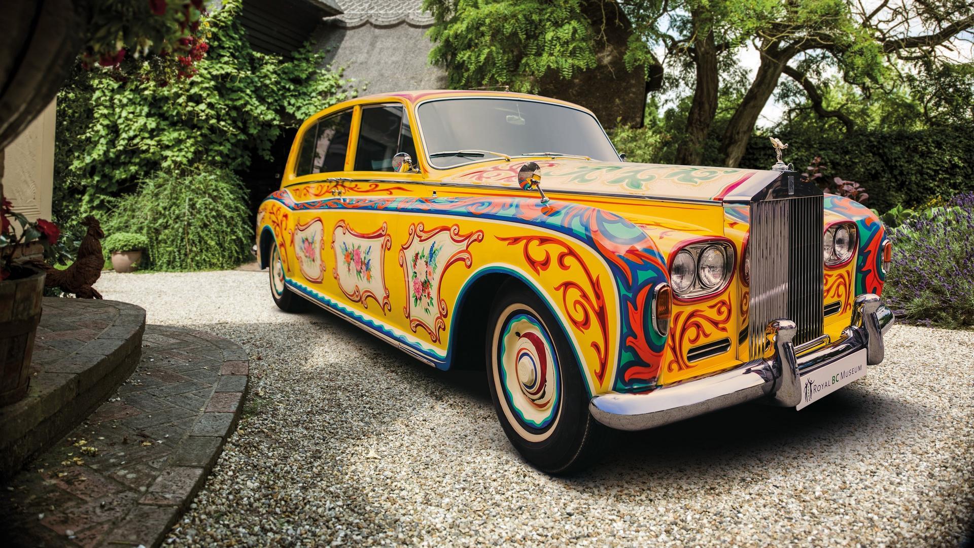 John_Lennon_1965_Rolls_Royce_Phantom_V_01