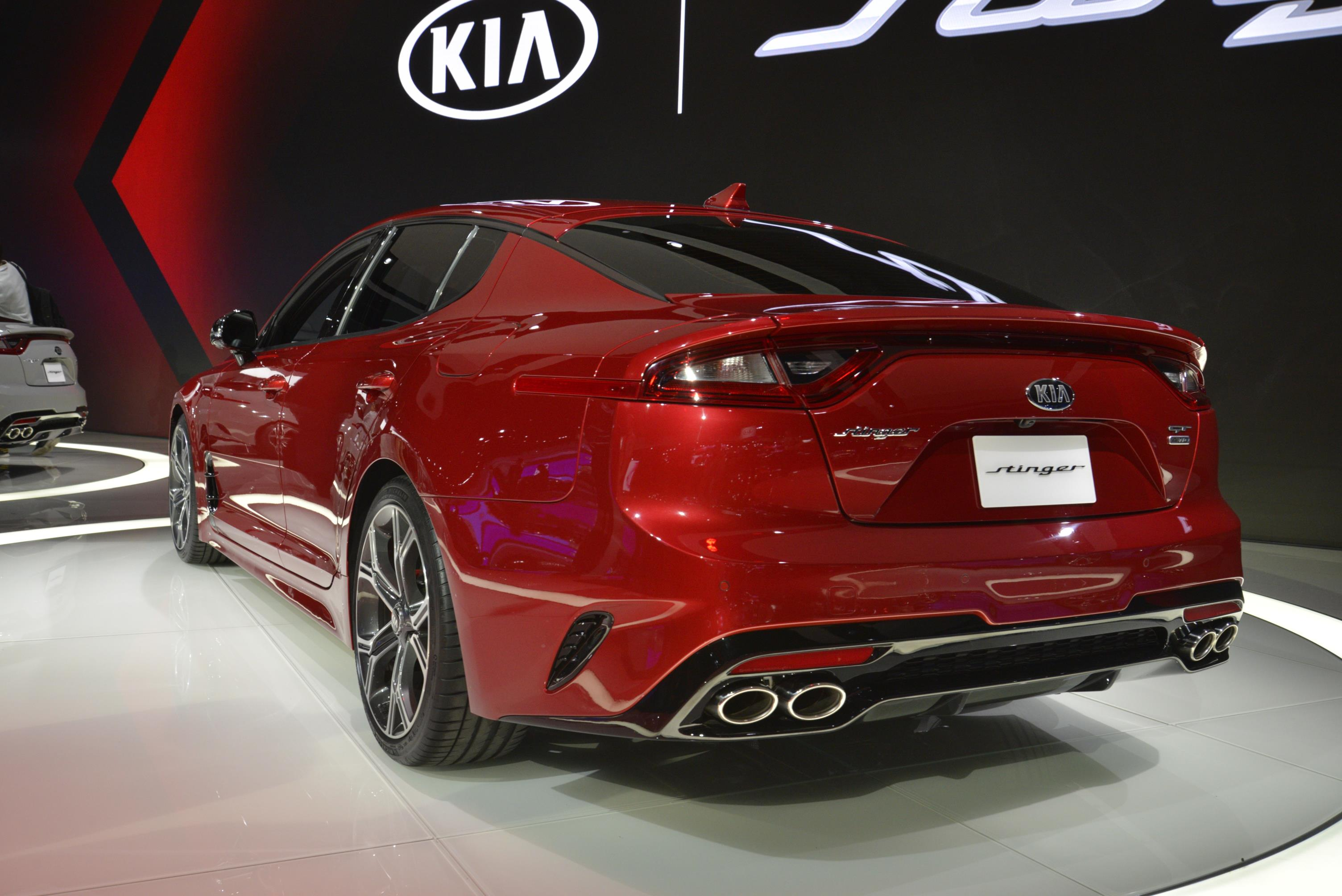 Kia Stinger GT in Detroit (18)