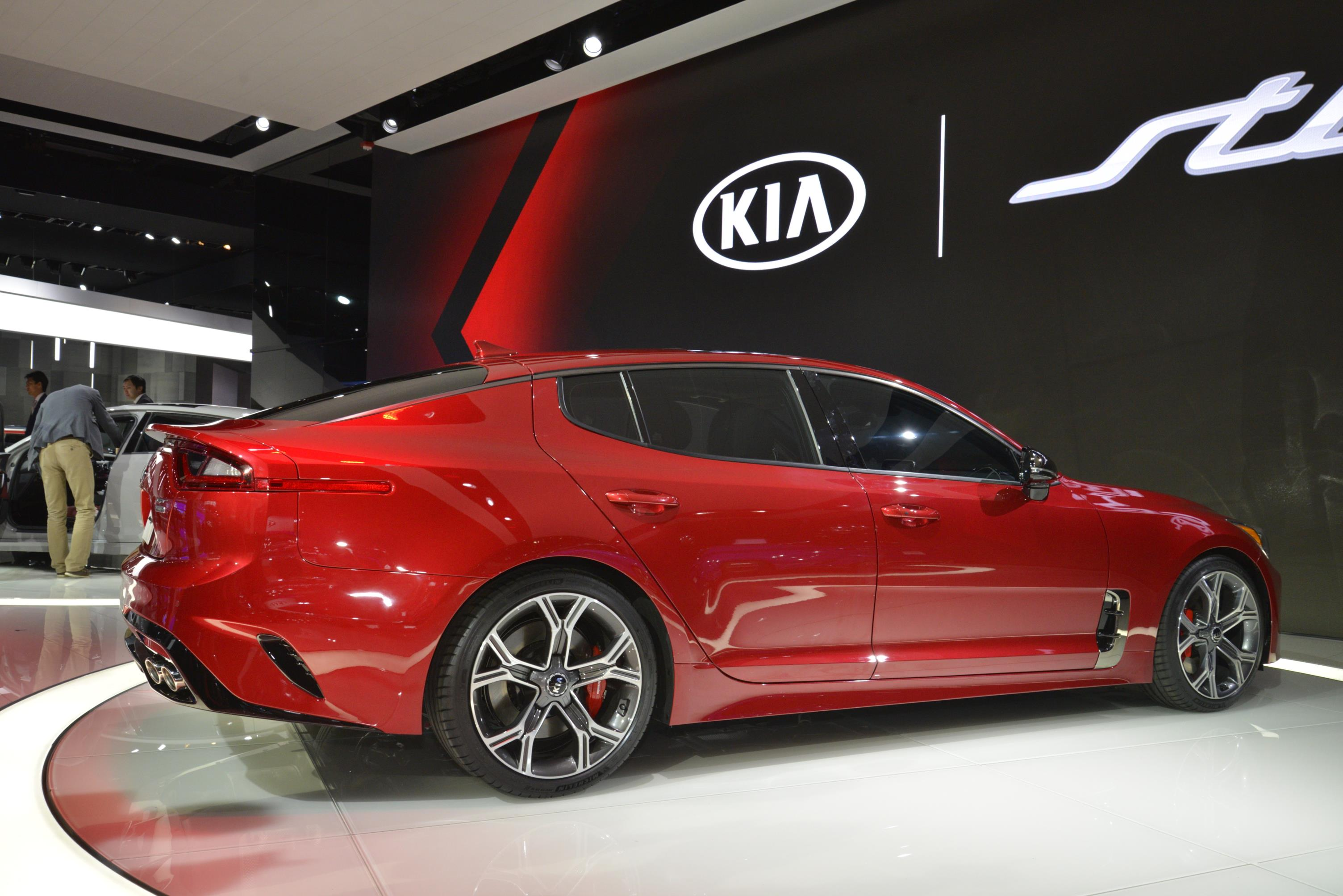 Kia Stinger GT in Detroit (20)