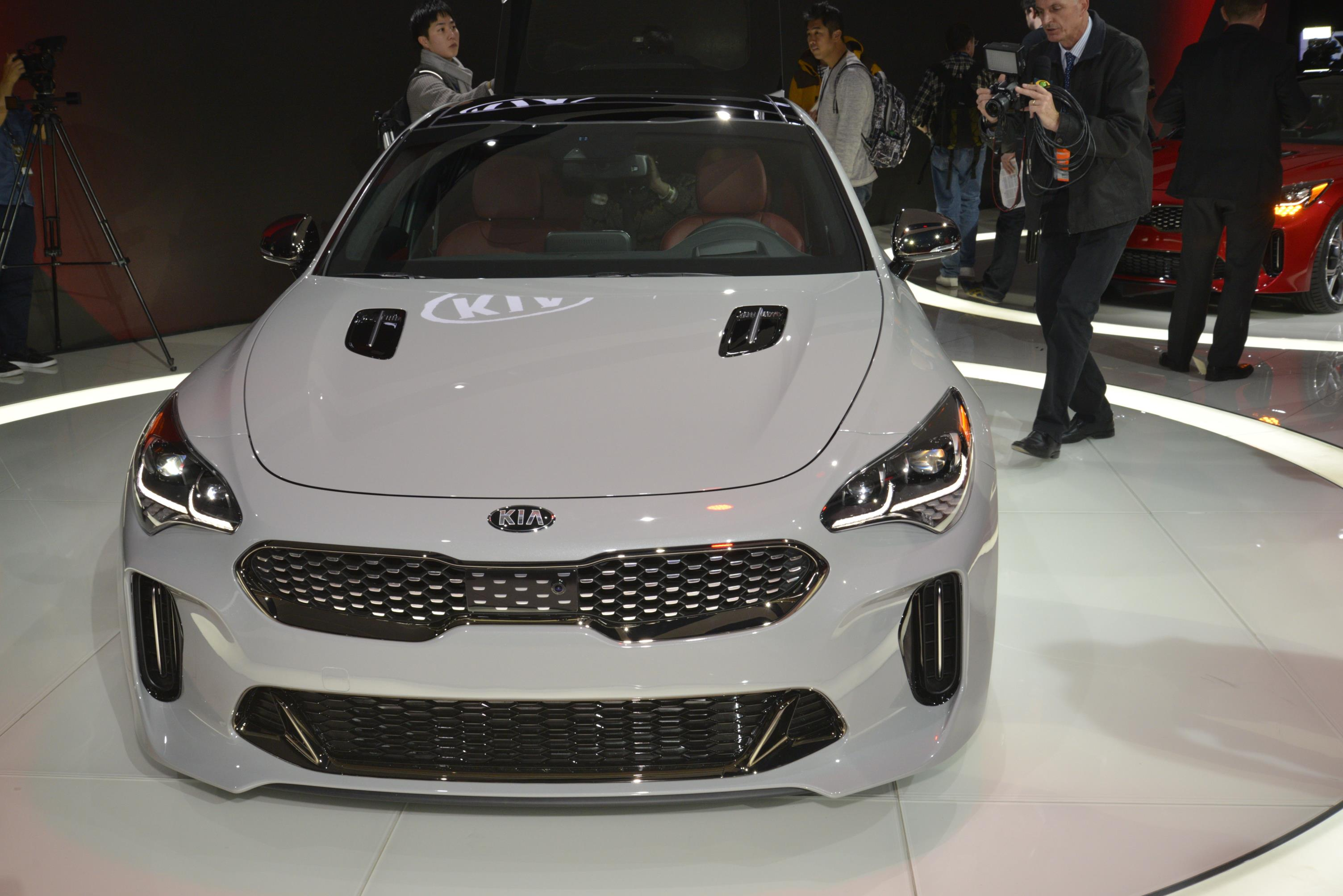 Kia Stinger GT in Detroit (4)